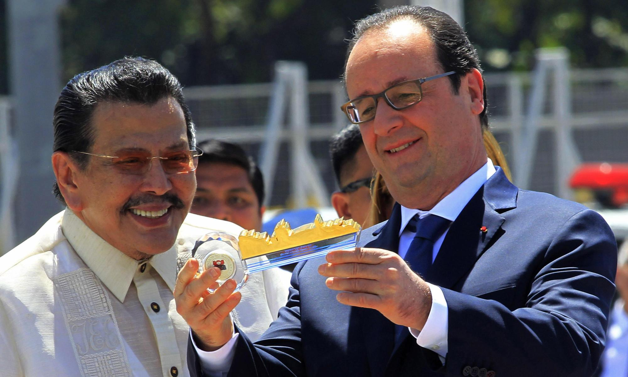 François Hollande in Philippines for climate change push | Environment | The Guardian