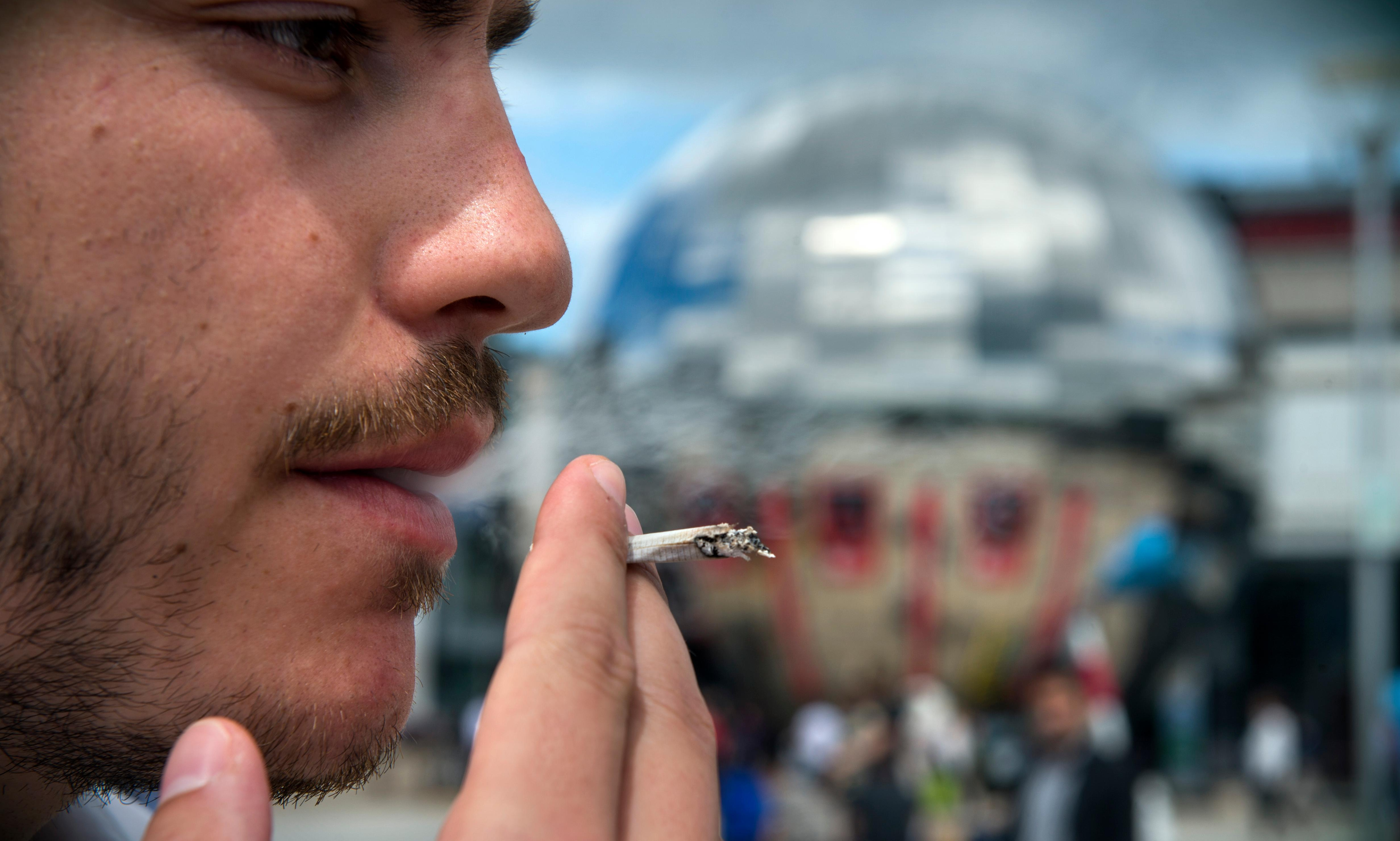 Is Britain ready for outdoor smoking bans?