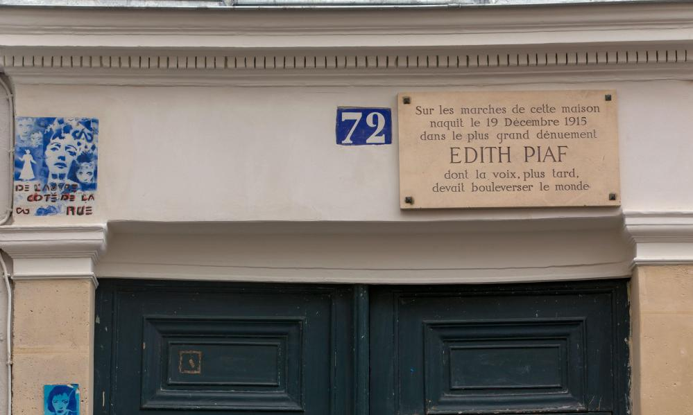 Plaque above 72 rue de Belleville, Paris, France, where it is rumoured that singer Edith Piaf was born.