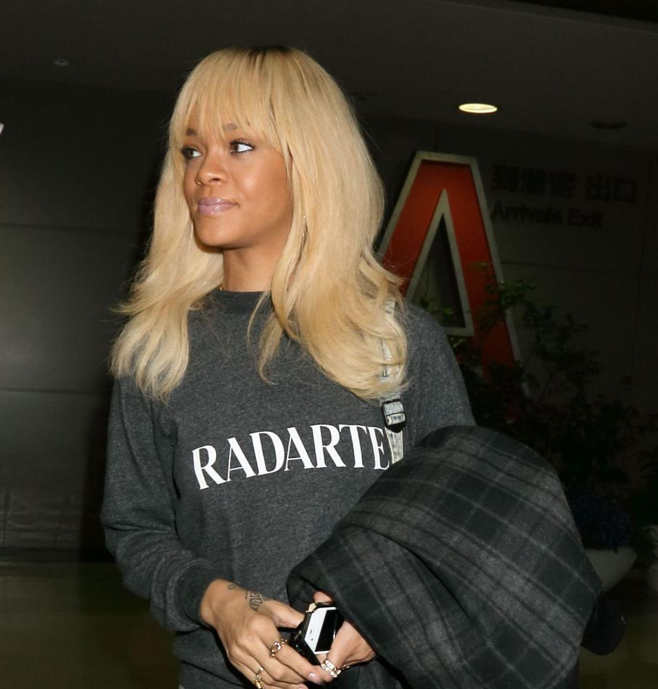Rihanna in a Radarte sweatshirt in 2012.