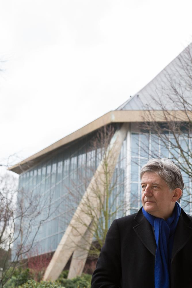 Museum director Deyan Sudjic outside the new Design Museum building.