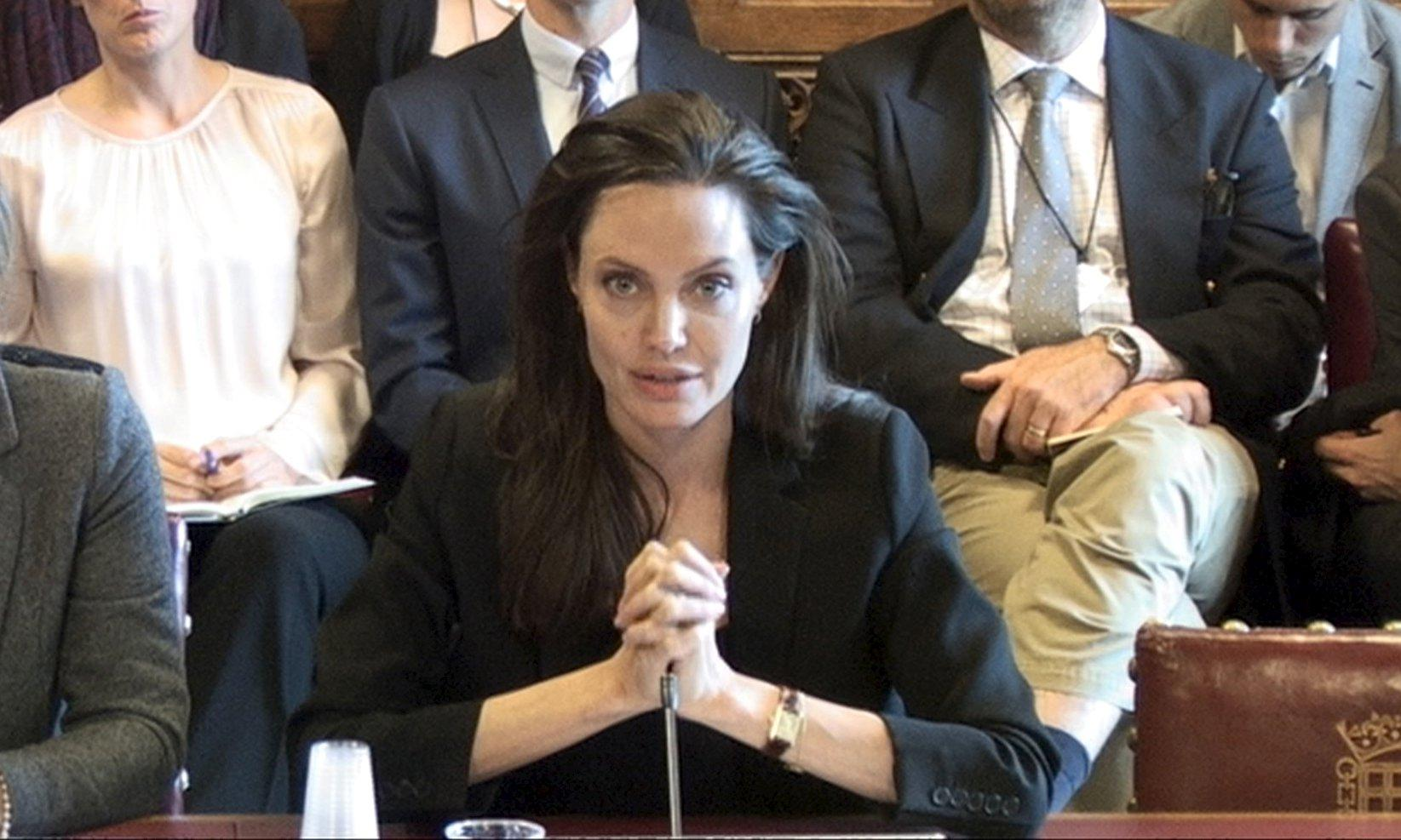 Angelina Jolie Pitt did not Angelina Jolie And Brad Pitt Kids 2013