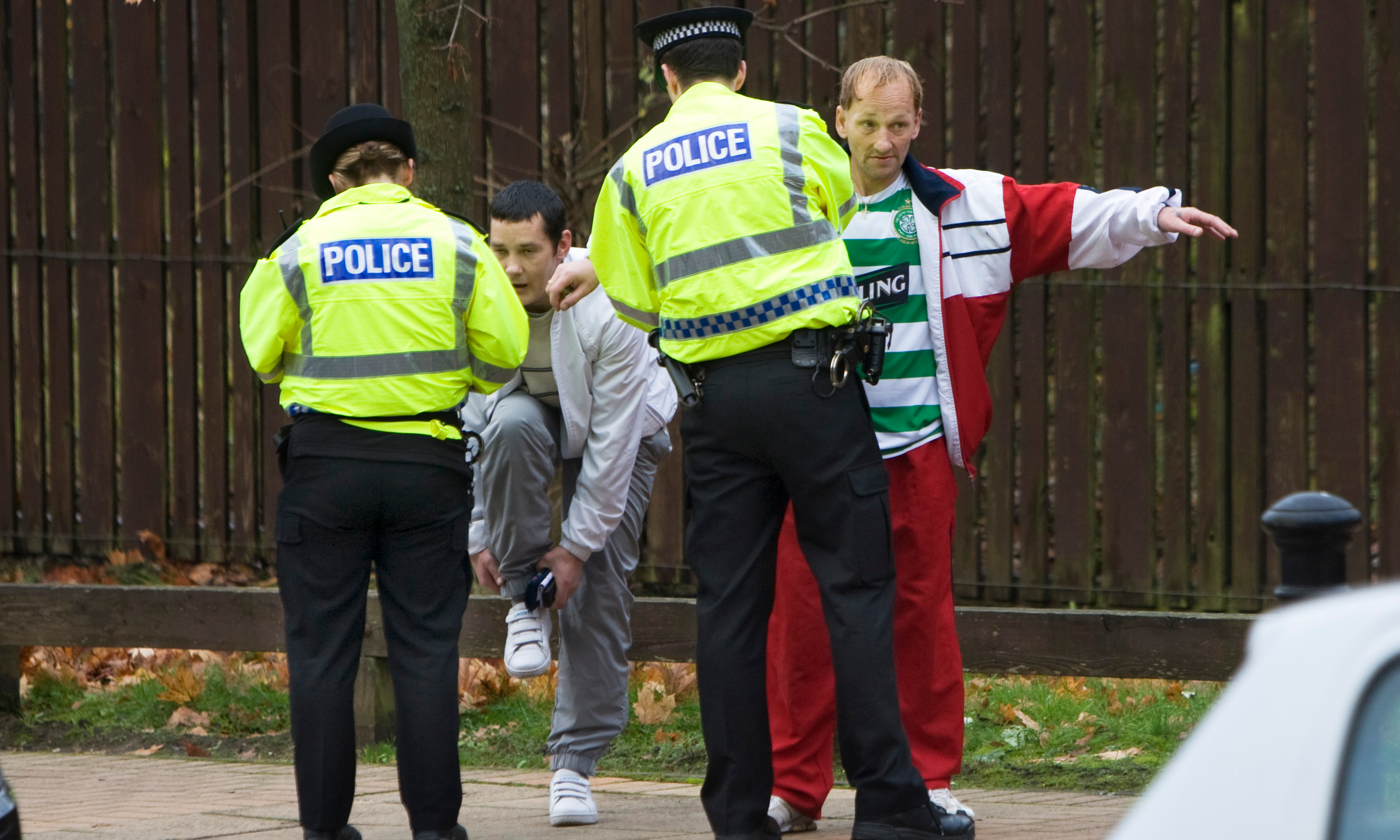 New rules on stop and search published - BBC News