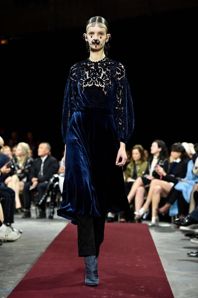 Givenchy does velvet for autumn/winter 2015