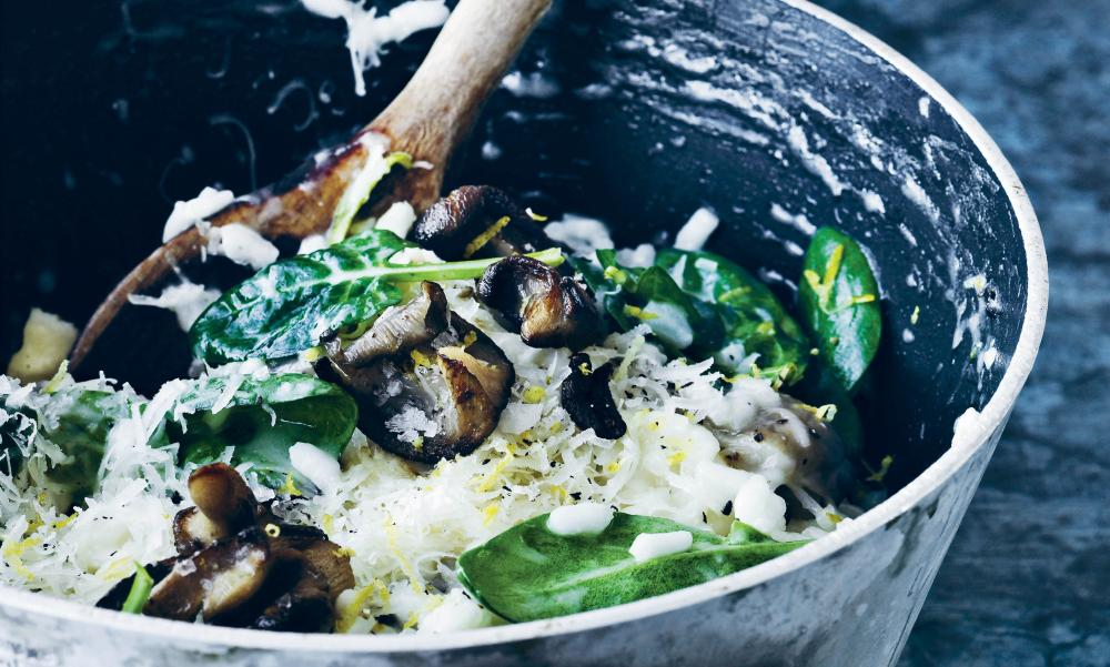 Risotto with oyster mushrooms and spinach