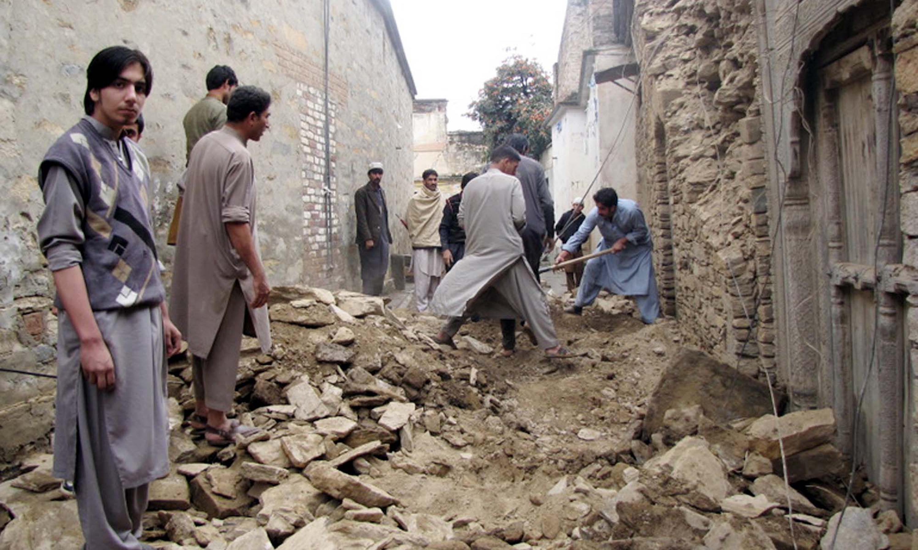 Afghanistan earthquake: Pakistan army leads rescue as death toll rises