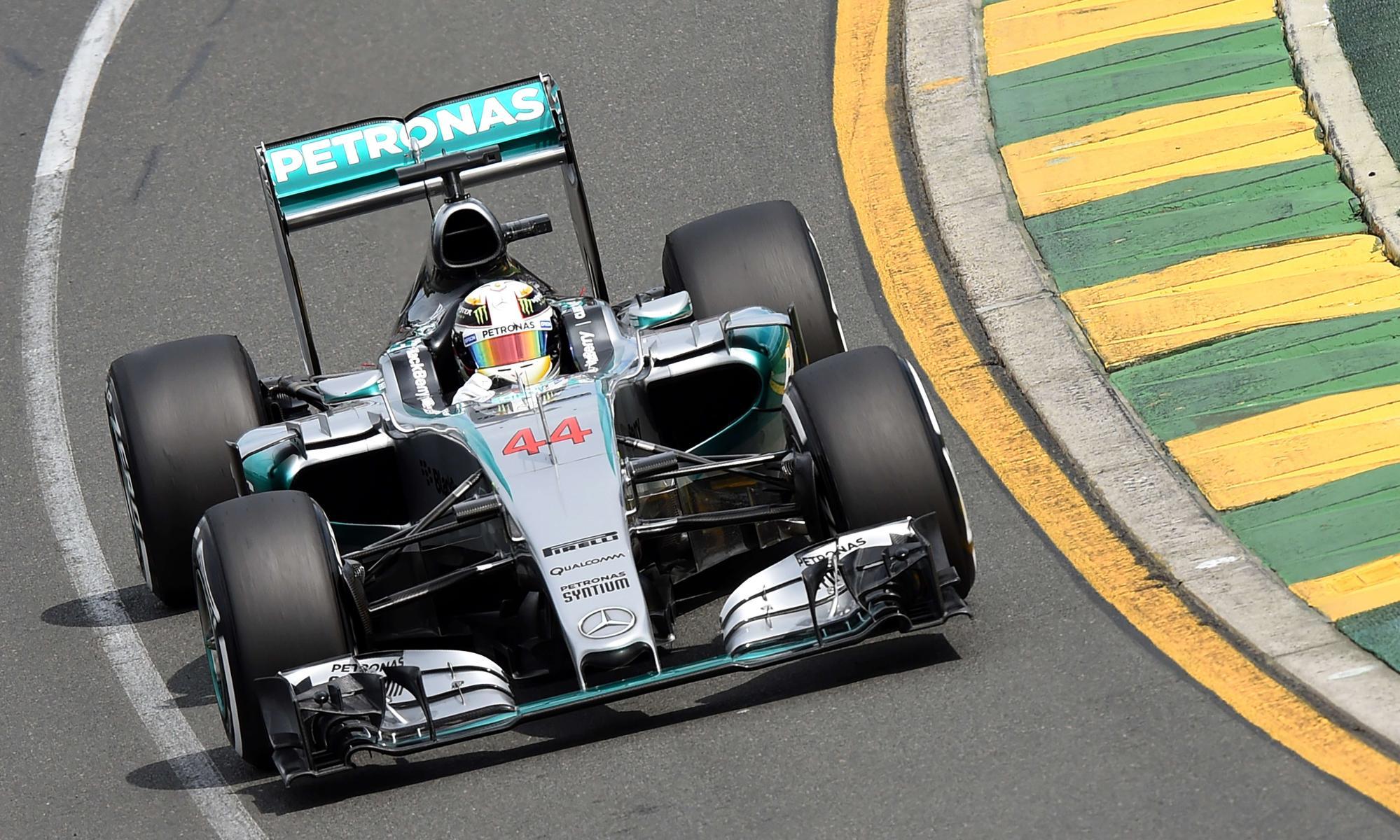 Lewis Hamilton dominates to take pole position at Australian Grand Prix