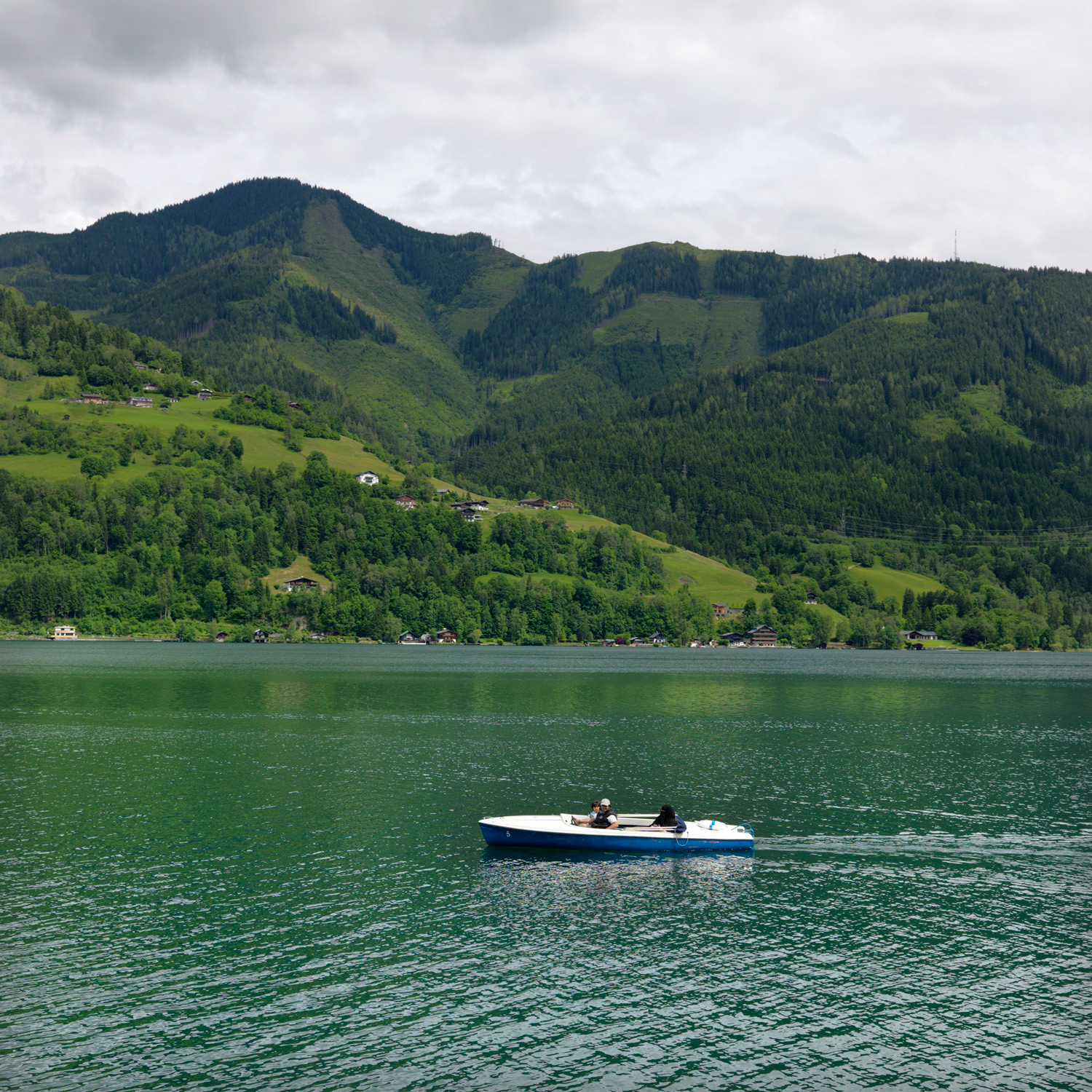 zell am see muslim personals Two years later it was reported that at least one third of austria's annual intake of  76,000 arab tourists were visiting zell am see and that they.