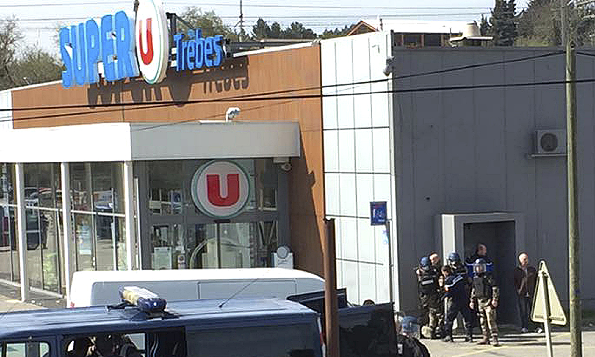 cover letter french%0A France Gunman shot dead by police after two killed in Tr  bes supermarket  hostage situation