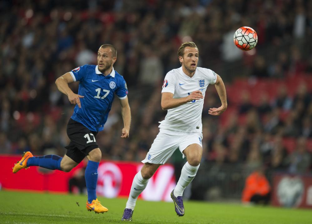 Kane breaks through the Estonia defence.