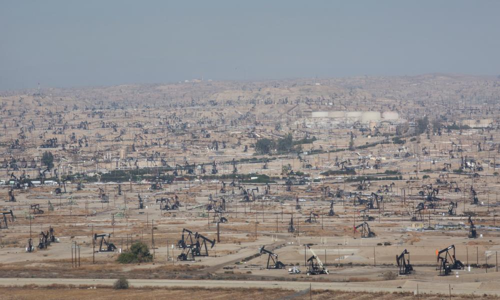 The Kern River Oil Fields northeast of Bakersfield.