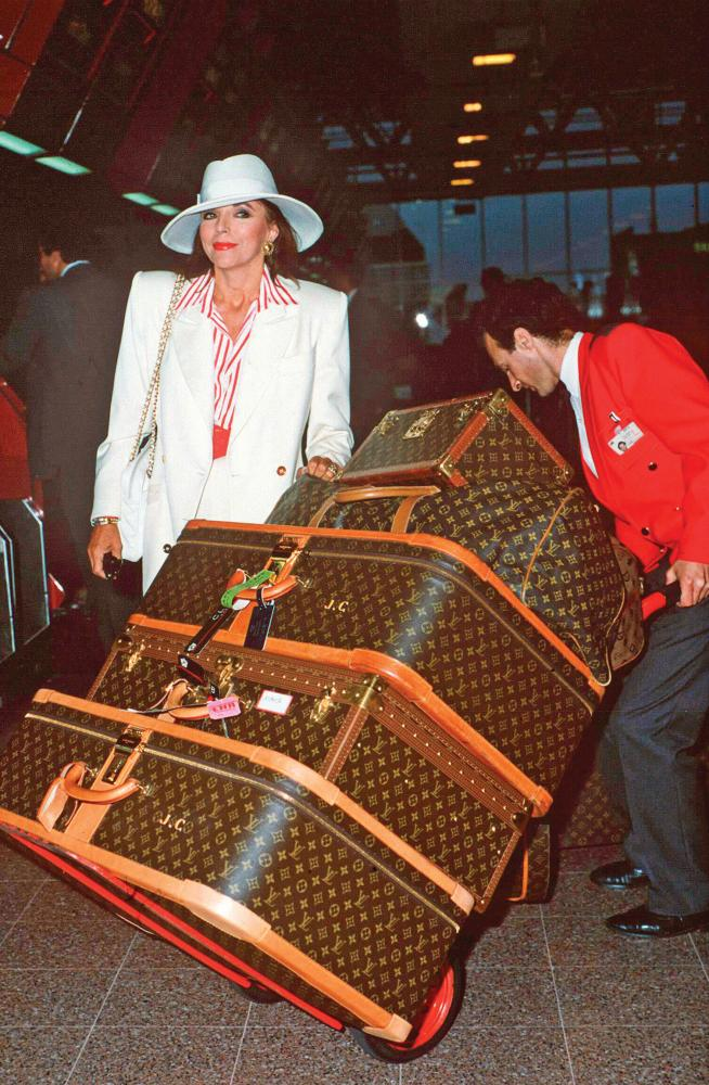 Travelling, Joan Collins style