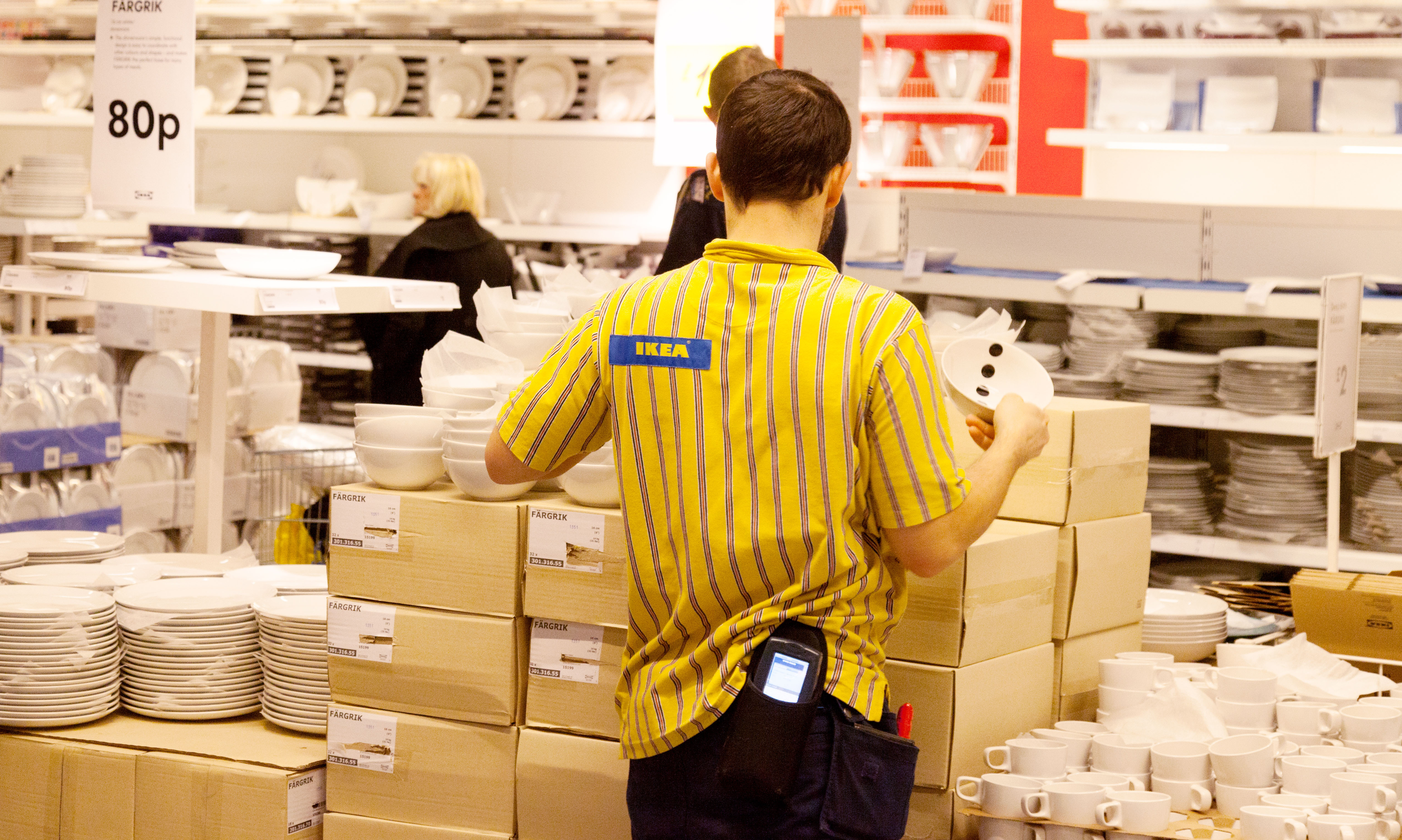 Ikea adopts the living wage for uk staff in 39 massive for Ikea jobs pay