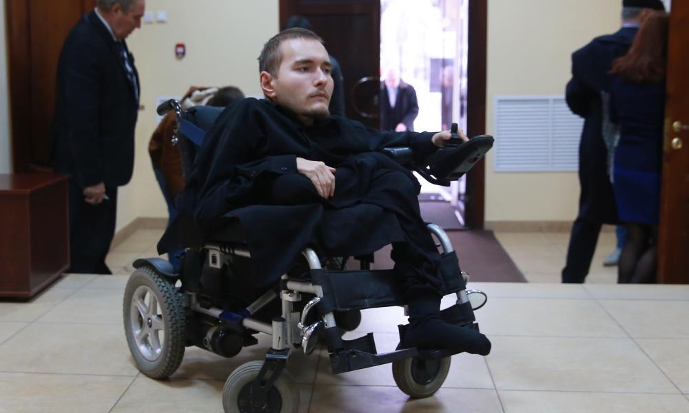 Valery Spiridonov: bénévoles de greffe tête