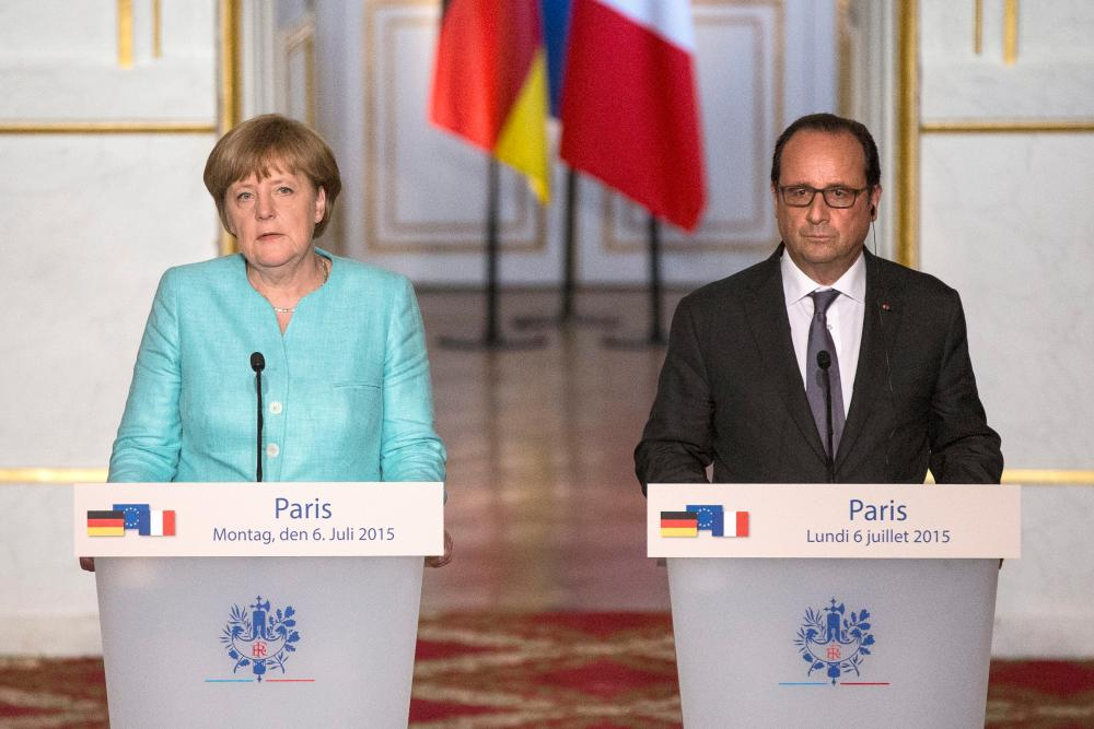 Crisis meeting in Paris between French President and German Chancellor<br />epa04834368 French President Francois Hollande and German Chancellor Angela Merkel deliver a speech to the press following a crisis meeting at the Elysee Palace regarding Greece, in Paris, France, 06 July 2015. Speaking after a bilateral meeting in Paris, Hollande drew attention to the fact that 'time is running out,' while Merkel said it was up to Greek Prime Minister Alexis Tsipras to come up with proposals on the way forward at the eurozone summit. EPA/ETIENNE LAURENT&#8221; width=&#8221;1000&#8243; height=&#8221;667&#8243; class=&#8221;gu-image&#8221; /><br /> <figcaption> <span class=