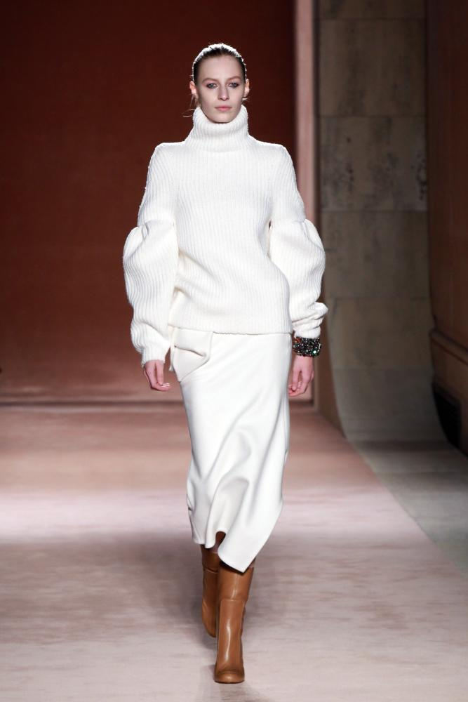 A waterwing sleeve on Victoria Beckham AW15.