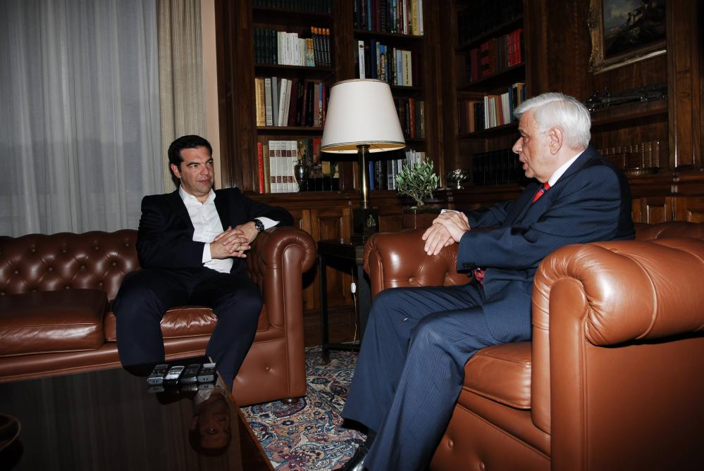 Tsipras visits Pavlopoulos.
