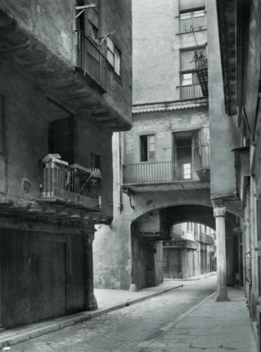 Example of 'retreating facades'