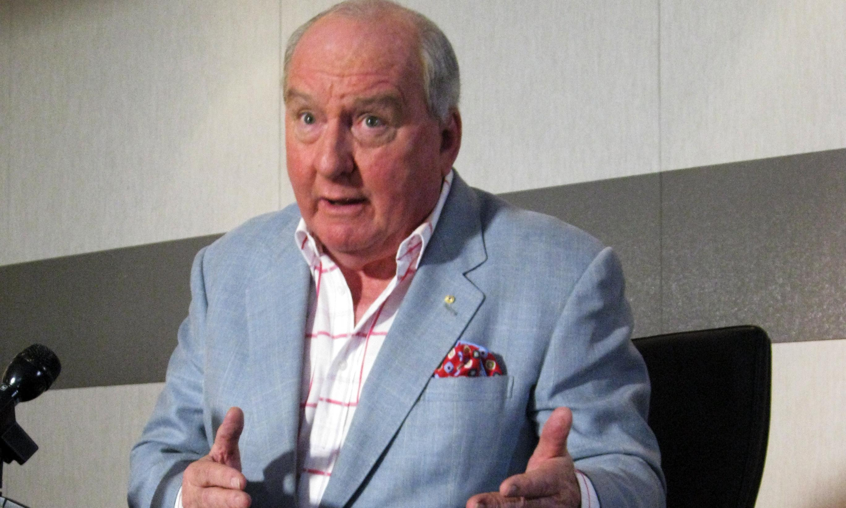 Alan Jones's radio show loses hundreds of advertisers since Jacinda Ardern storm