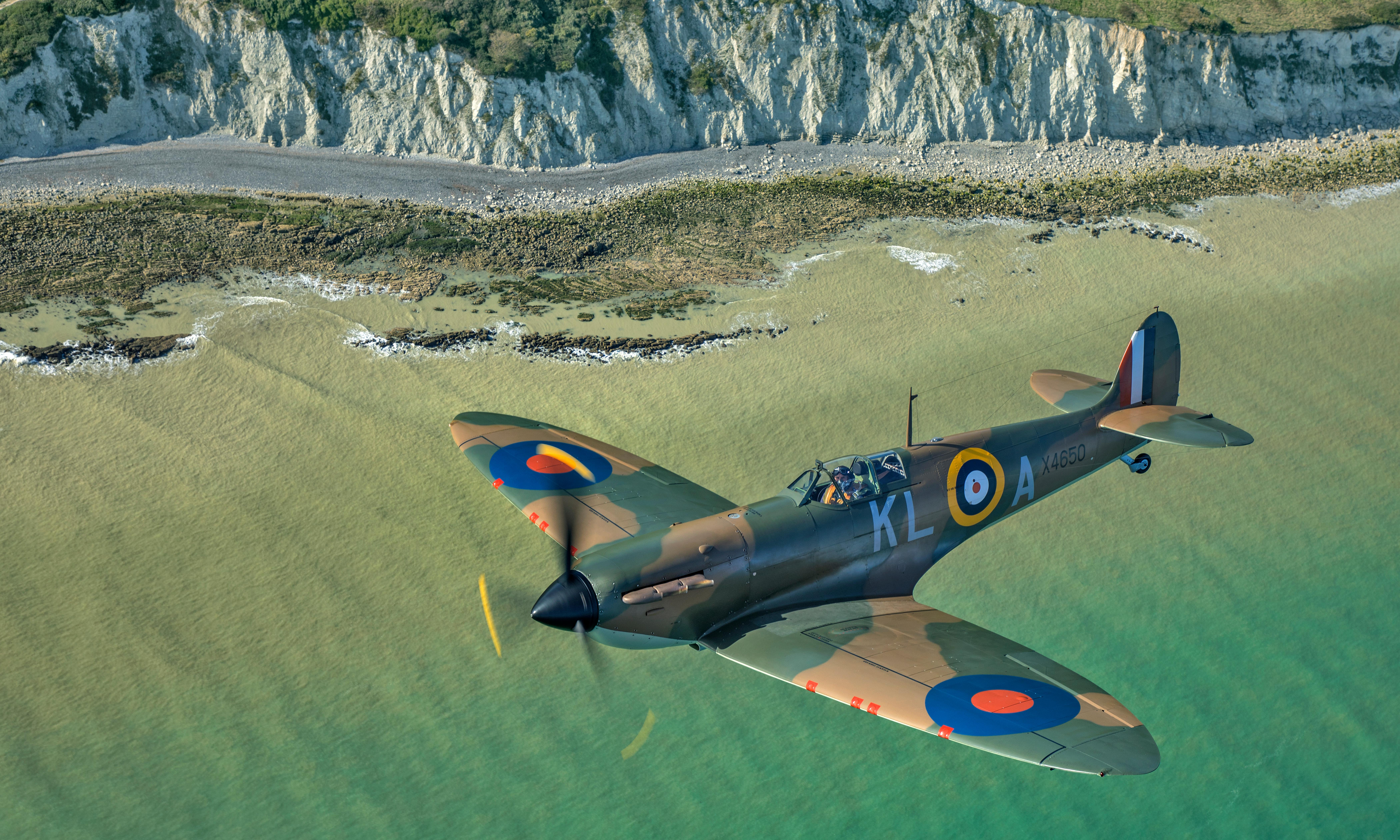Spitfire review – stirring salute to the plane that ruled the skies