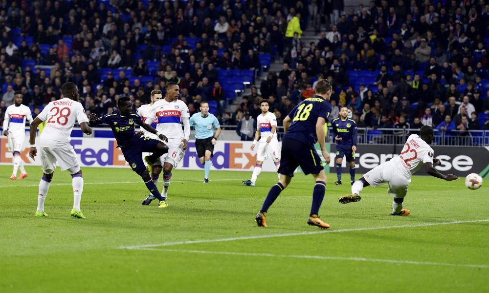 Idrissa Gueye of Everton with a chance on goal but he can't direct it past the Lyon keeper.