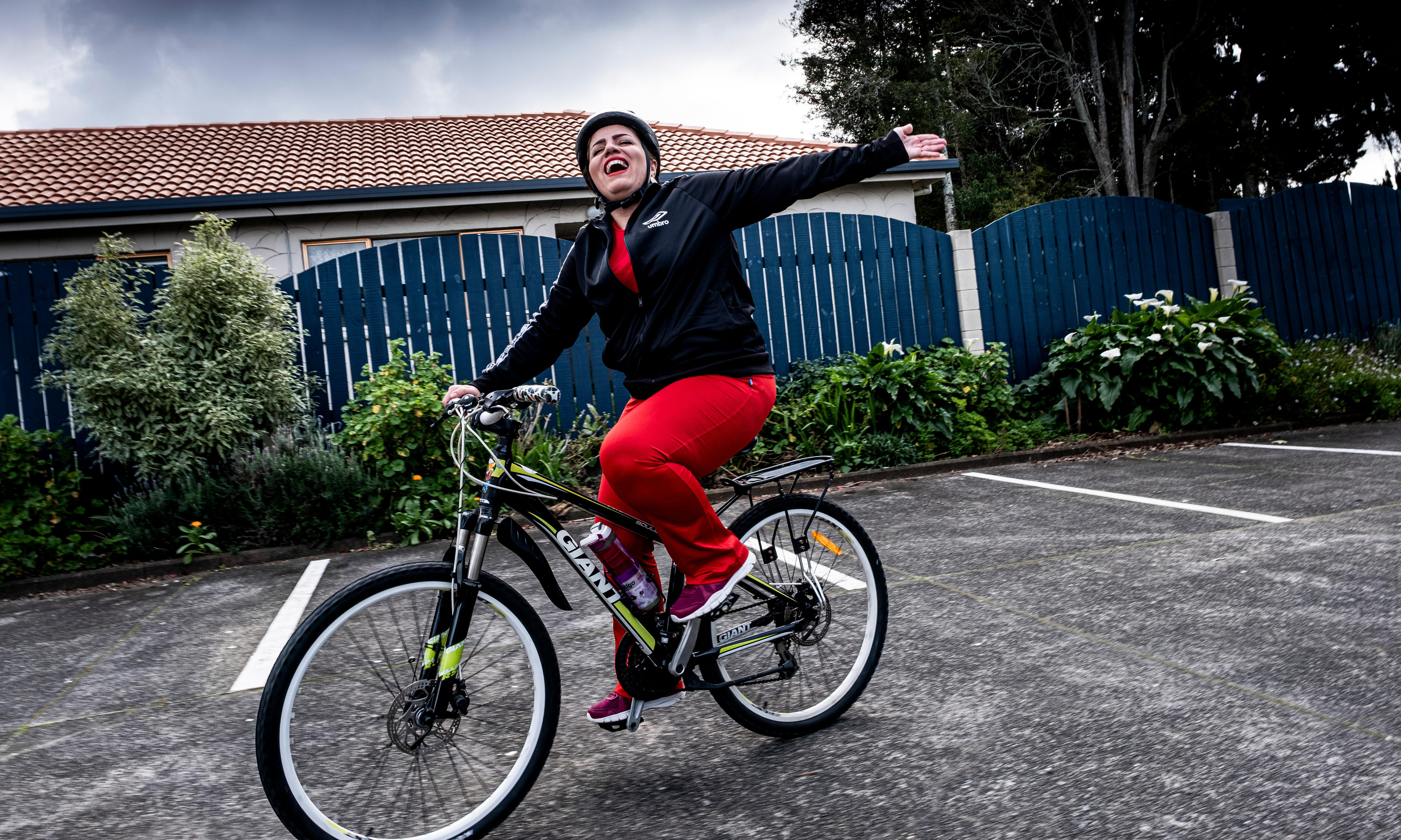 'It gave me hope': New Zealand charity gives refugees bikes and teaches them to ride