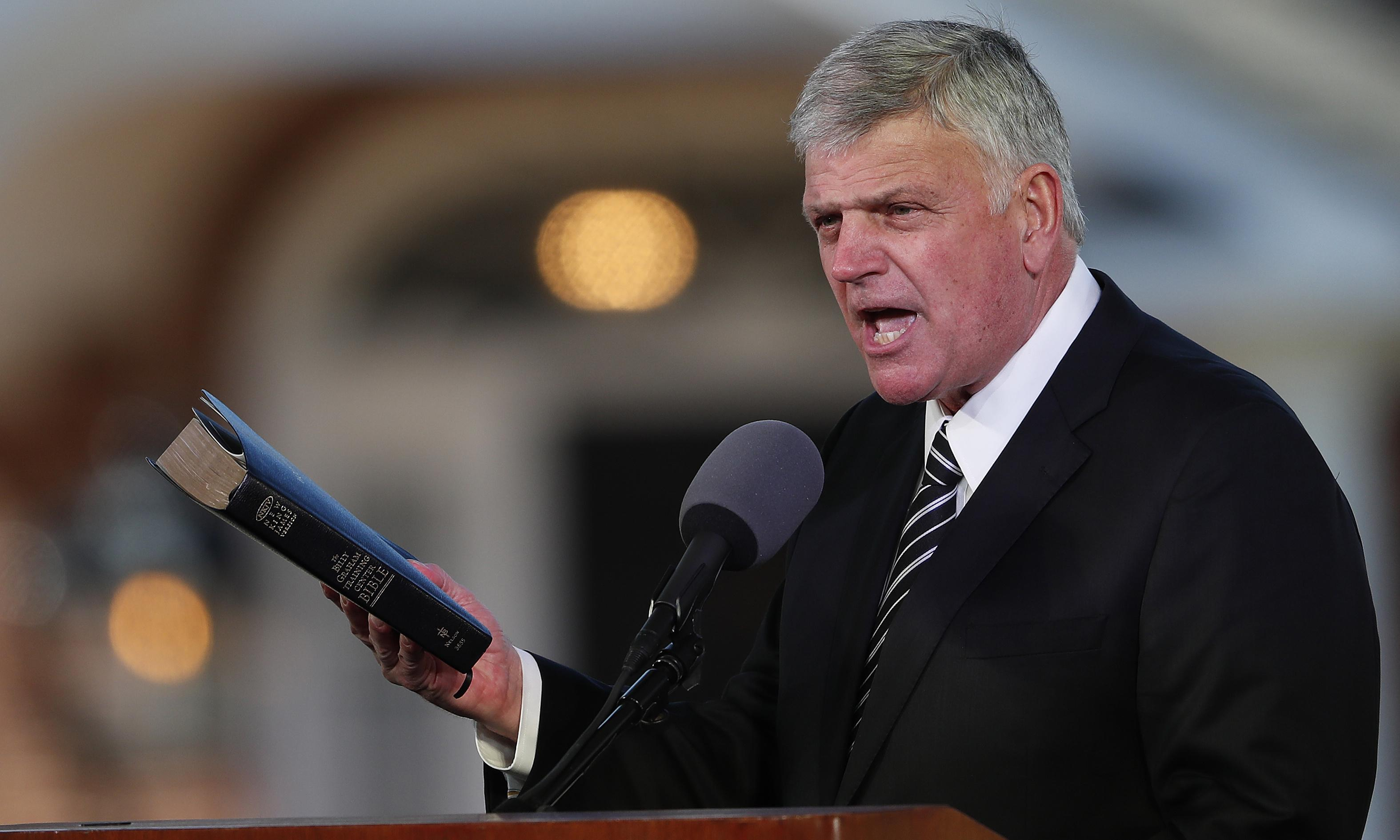 US preacher Franklin Graham tries to reverse UK tour cancellations