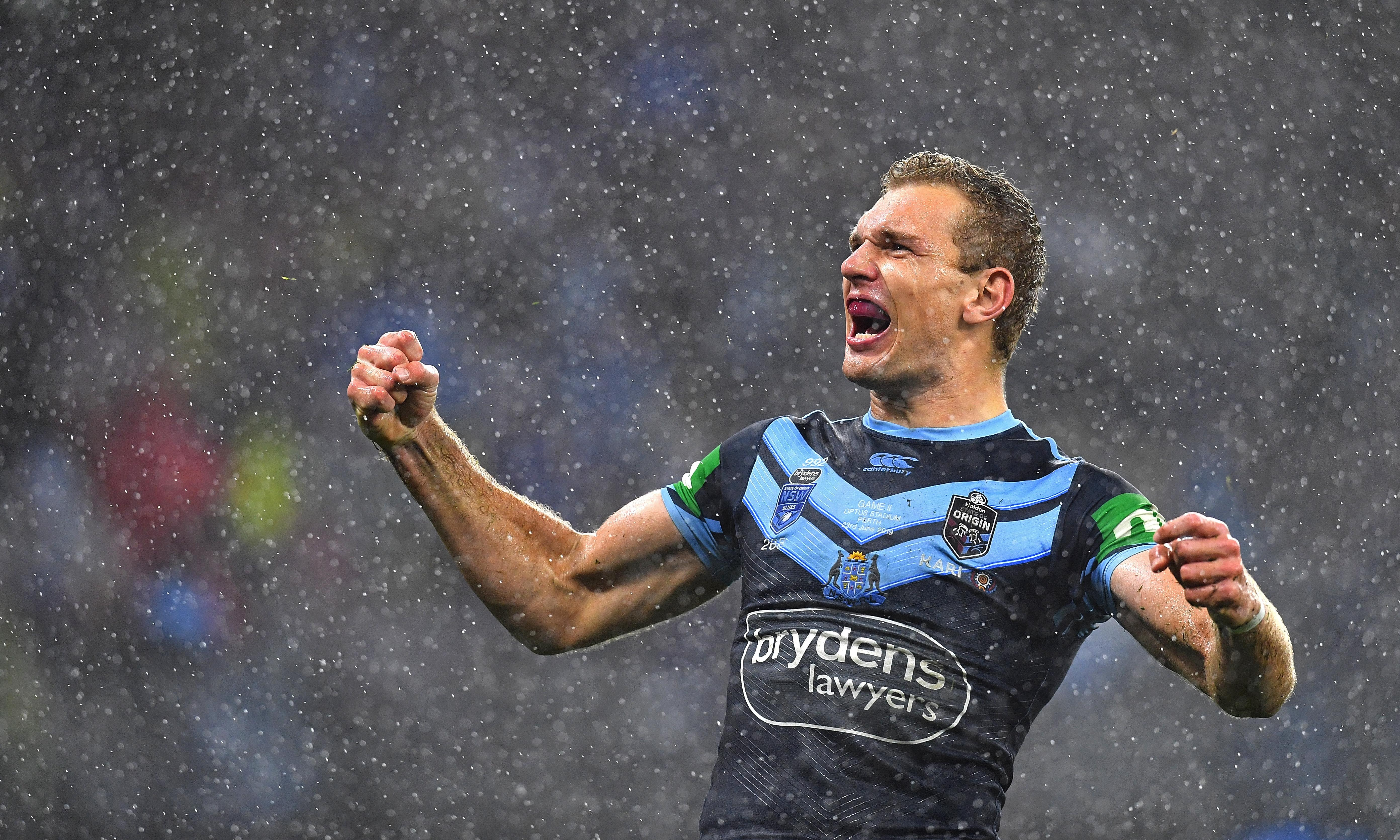 Blues smash Maroons in Perth rain to send series to decider in Sydney