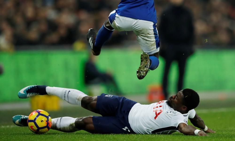 Tottenham's Serge Aurier stops an Everton attack.