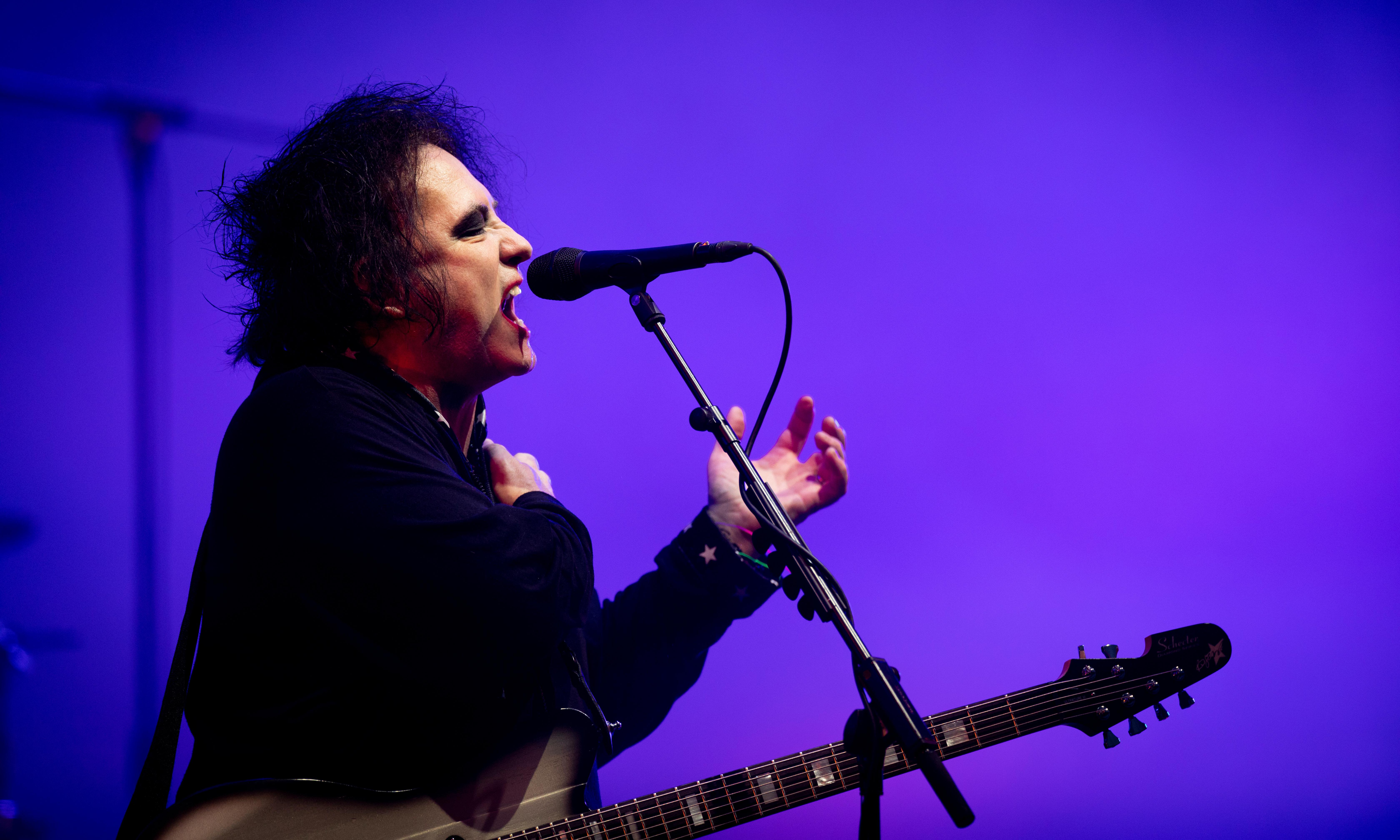 The Cure at Glastonbury 2019 review – still the world's most reluctant pop stars