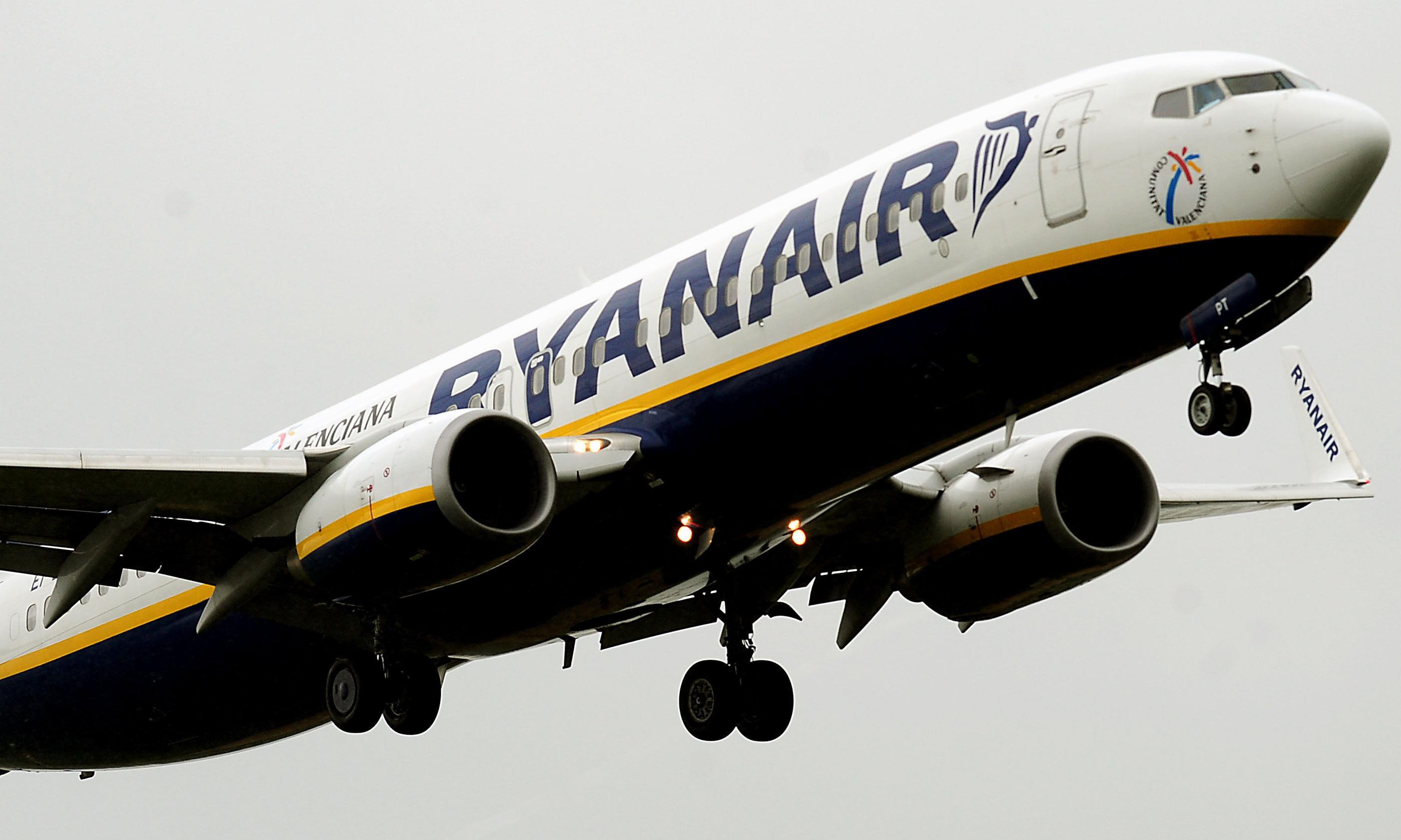 Ryanair makes high court attempt to stop pilot strikes