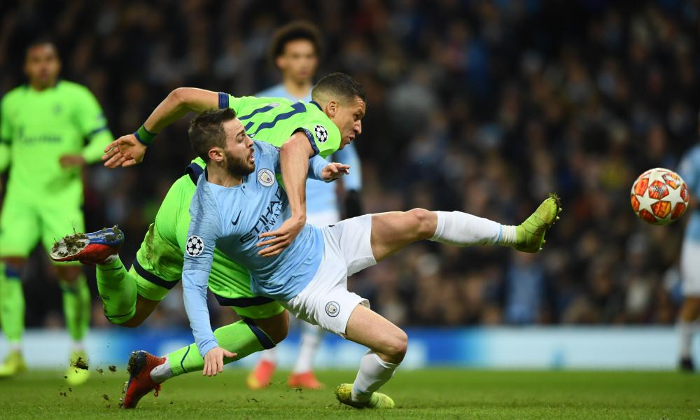 Jeffrey Bruma of Schalke fouls Bernardo Silva of Manchester City which leads to a penalty being awarded.