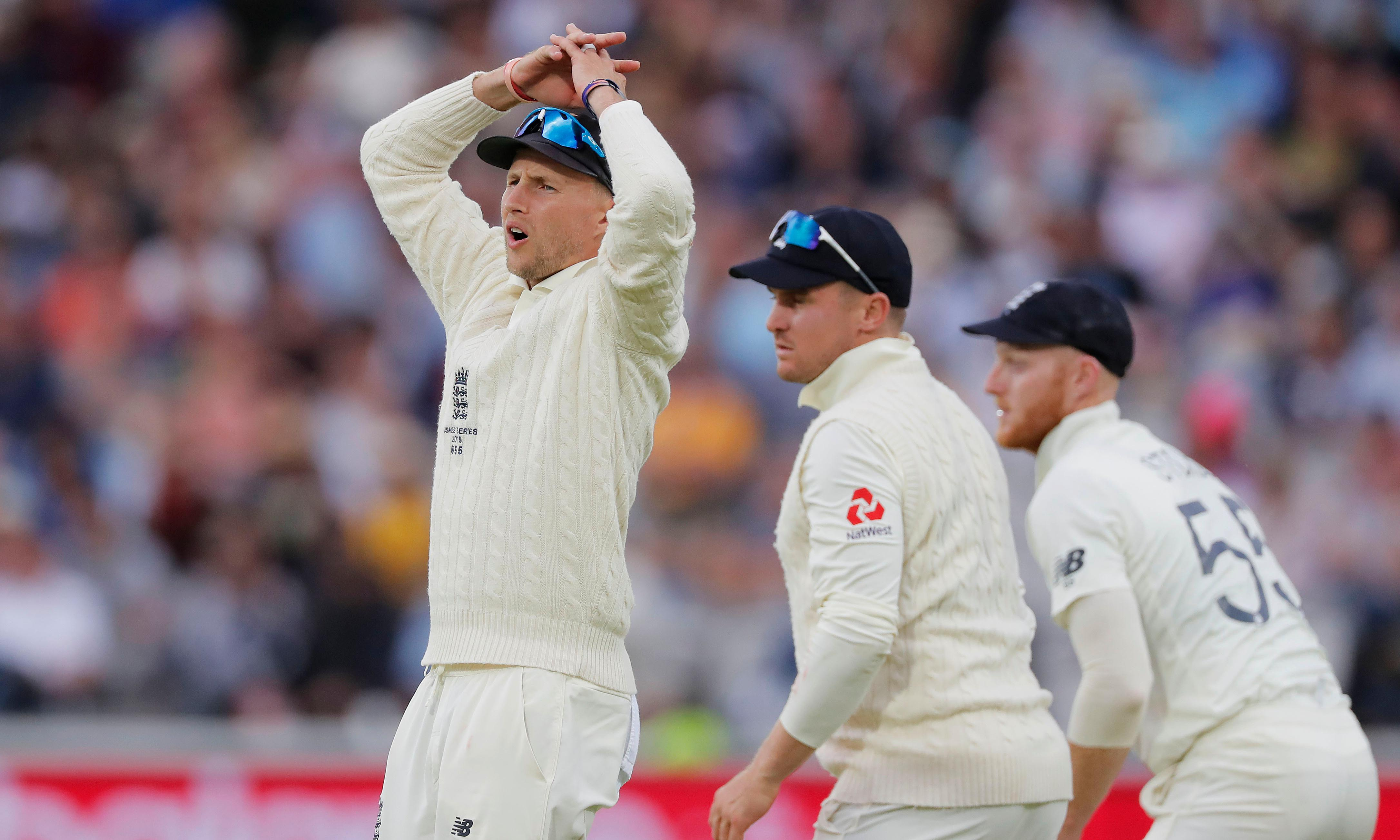 England go close but Australia hold out to draw second Ashes Test
