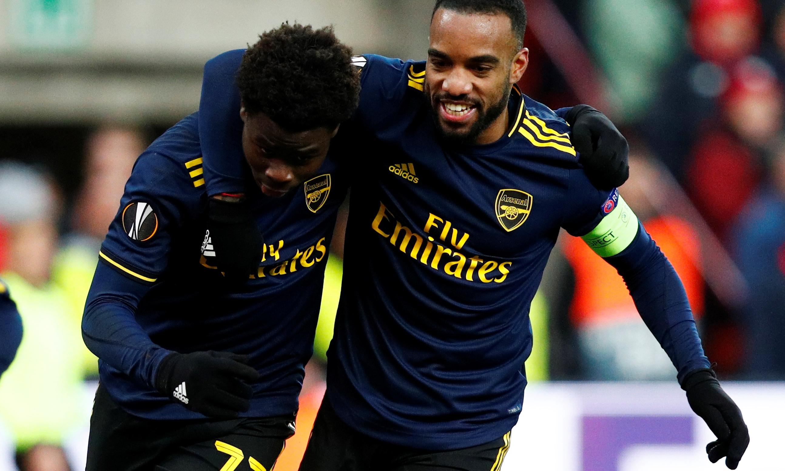 Arsenal flirt with disaster against Standard Liège but hit back to top group