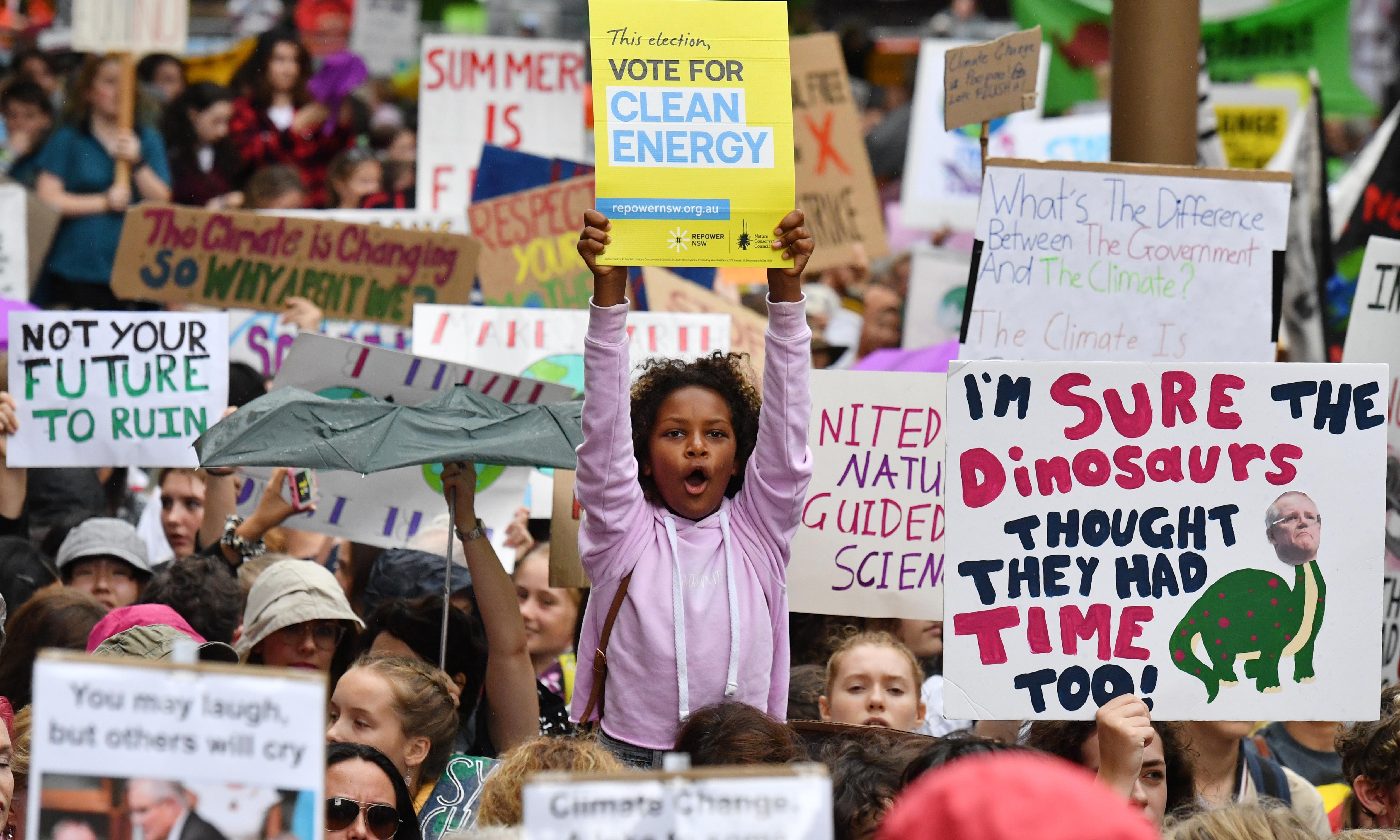 Hundreds of Australian academics declare support for climate rebellion