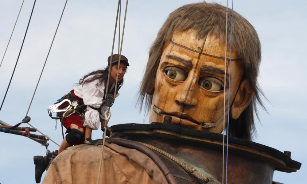 Giant puppet and pirate