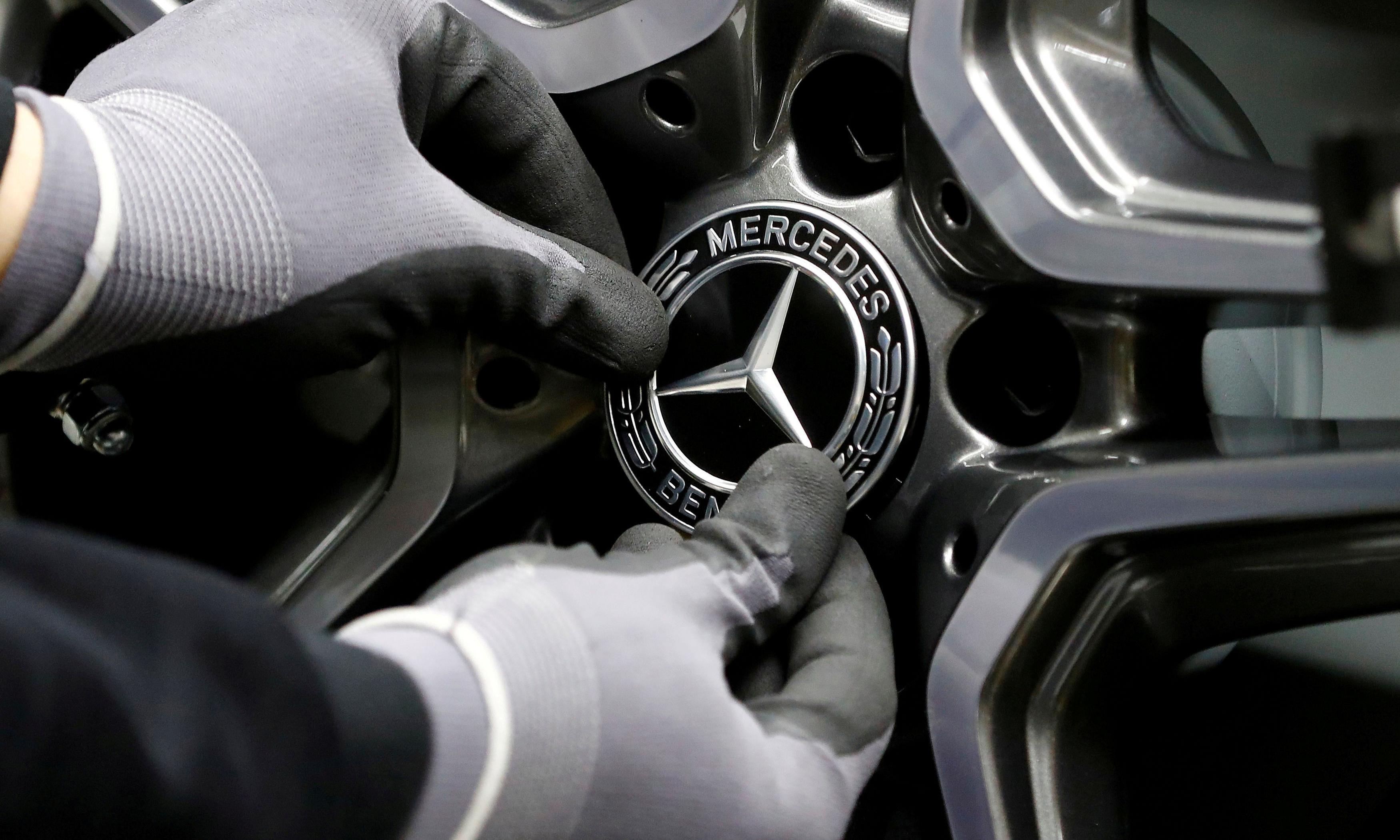 Mercedes-Benz to axe more than 1,000 jobs in cost-cutting drive