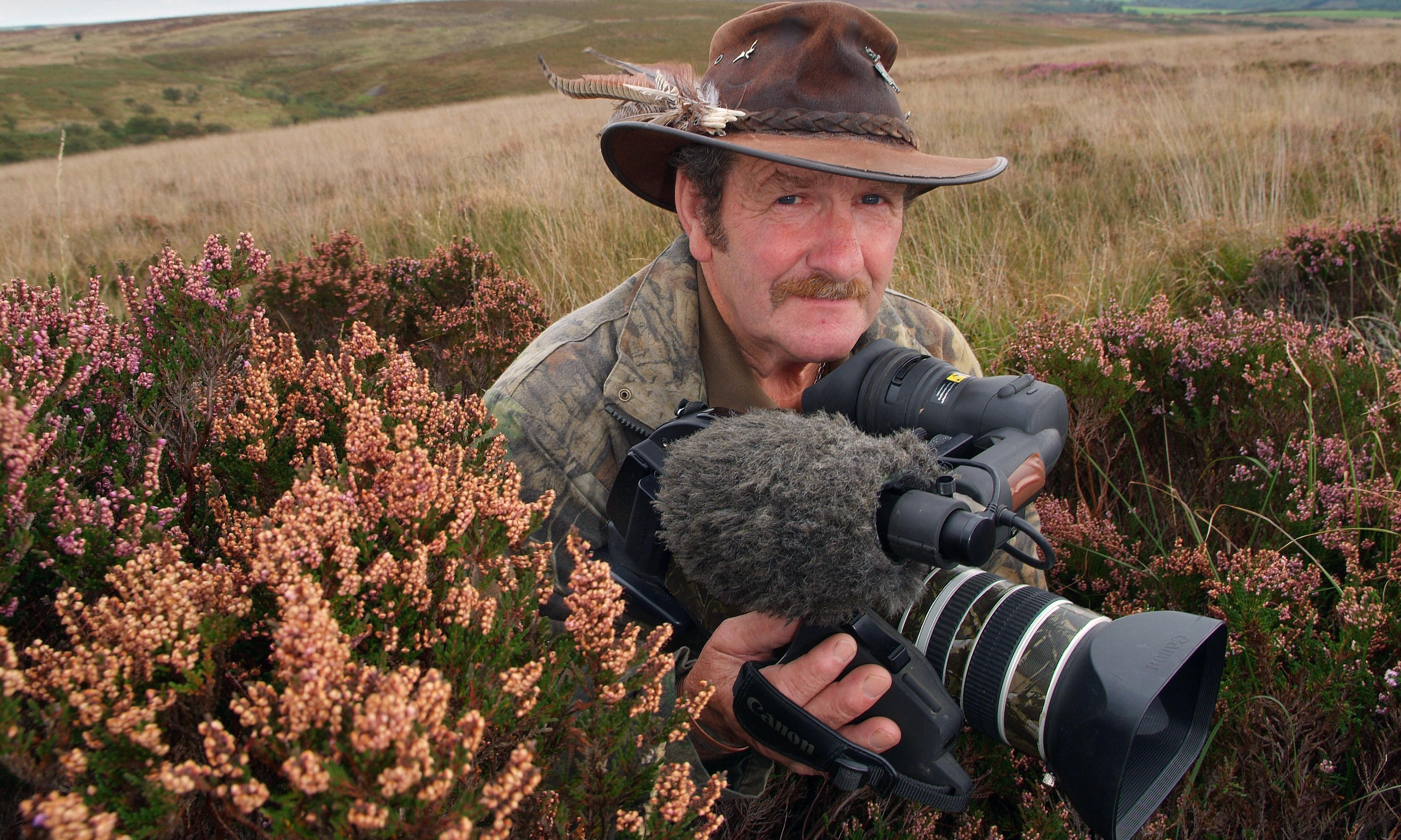 Johnny Kingdom: TV presenter died in digger accident, inquest hears