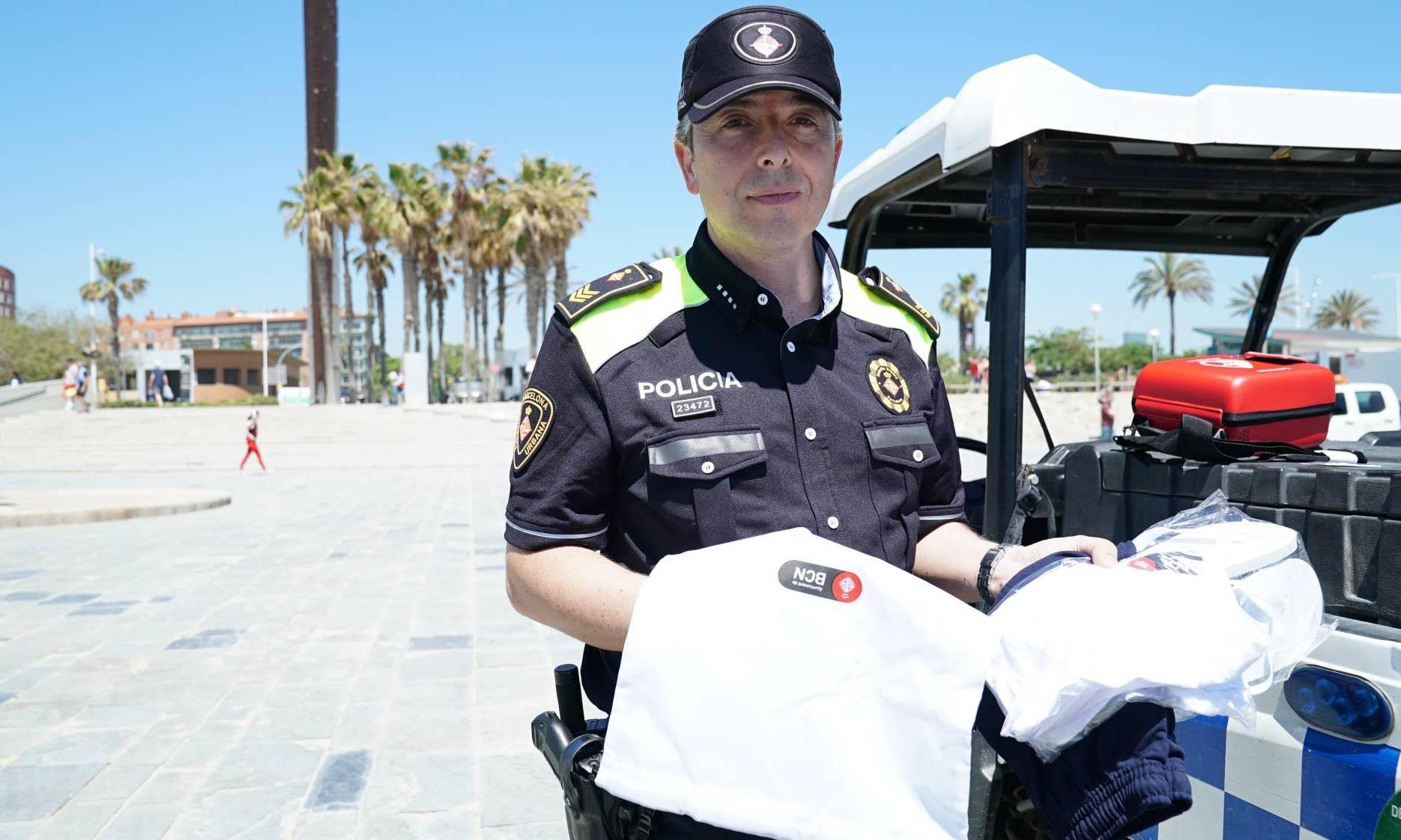 Barcelona police spare bathers' blushes with clothing 'robbery kits'