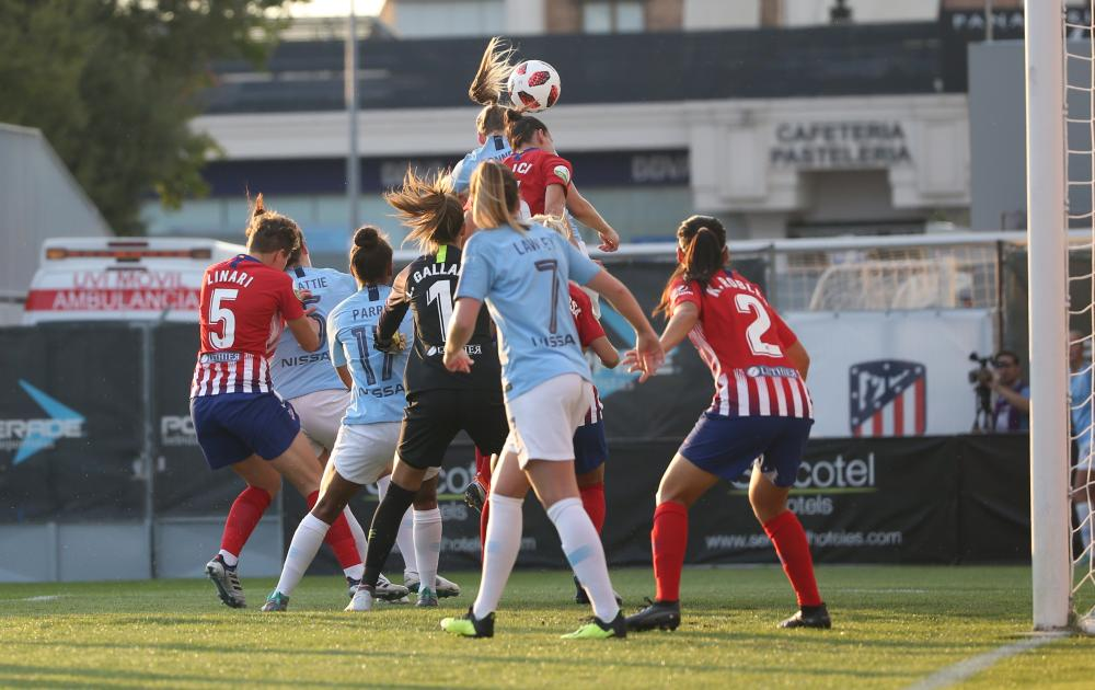 Gemma Bonner rises to put Manchester City ahead with her first goal for the club.
