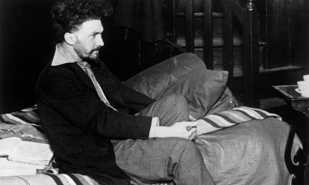 """ezra pound poetry analysis Before ezra pound wrote his """"the seafarer,"""" a poem with the same name was  written, serving as one of the four surviving manuscripts of old."""