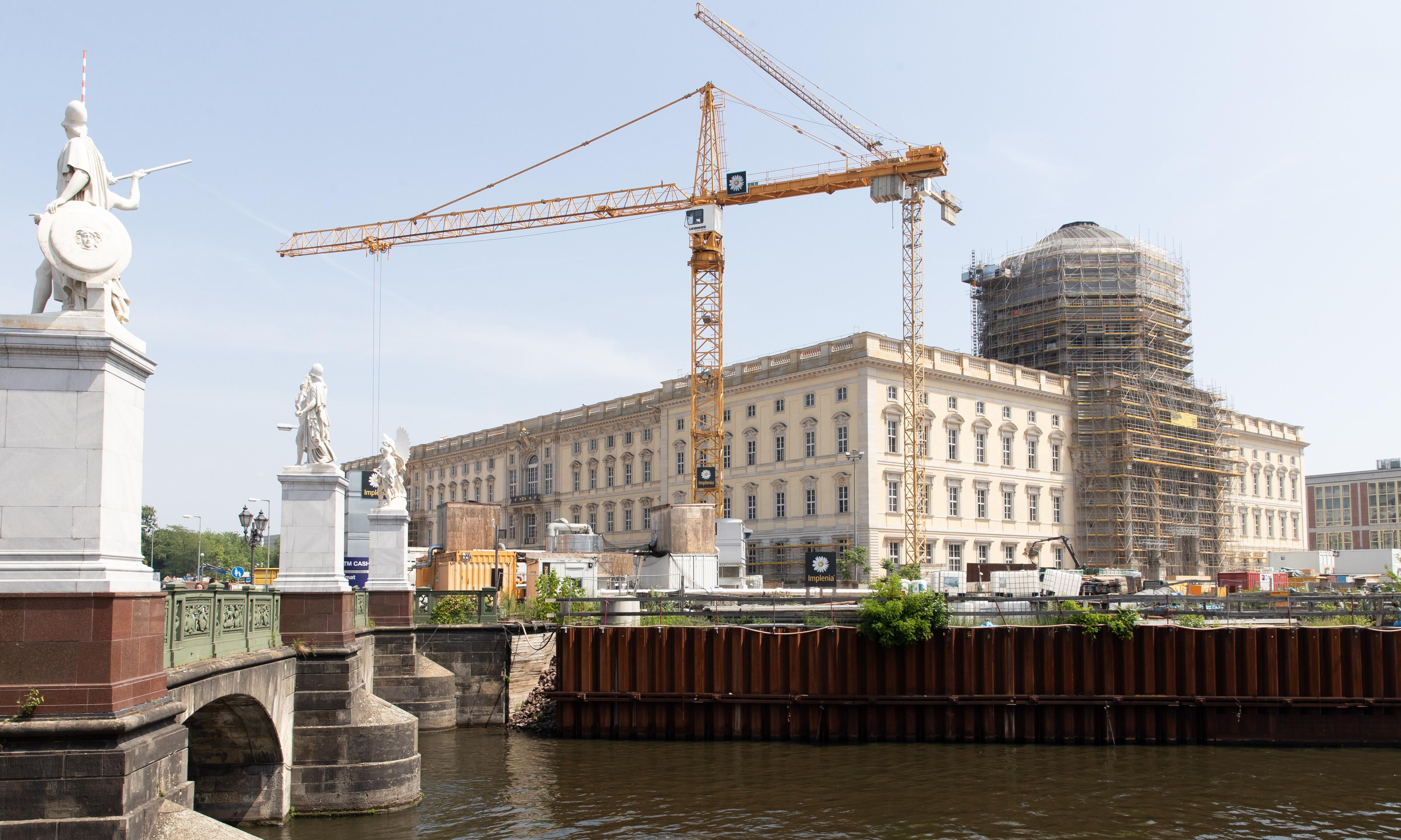 Berliners wary as €600m super-museum is latest project to overrun