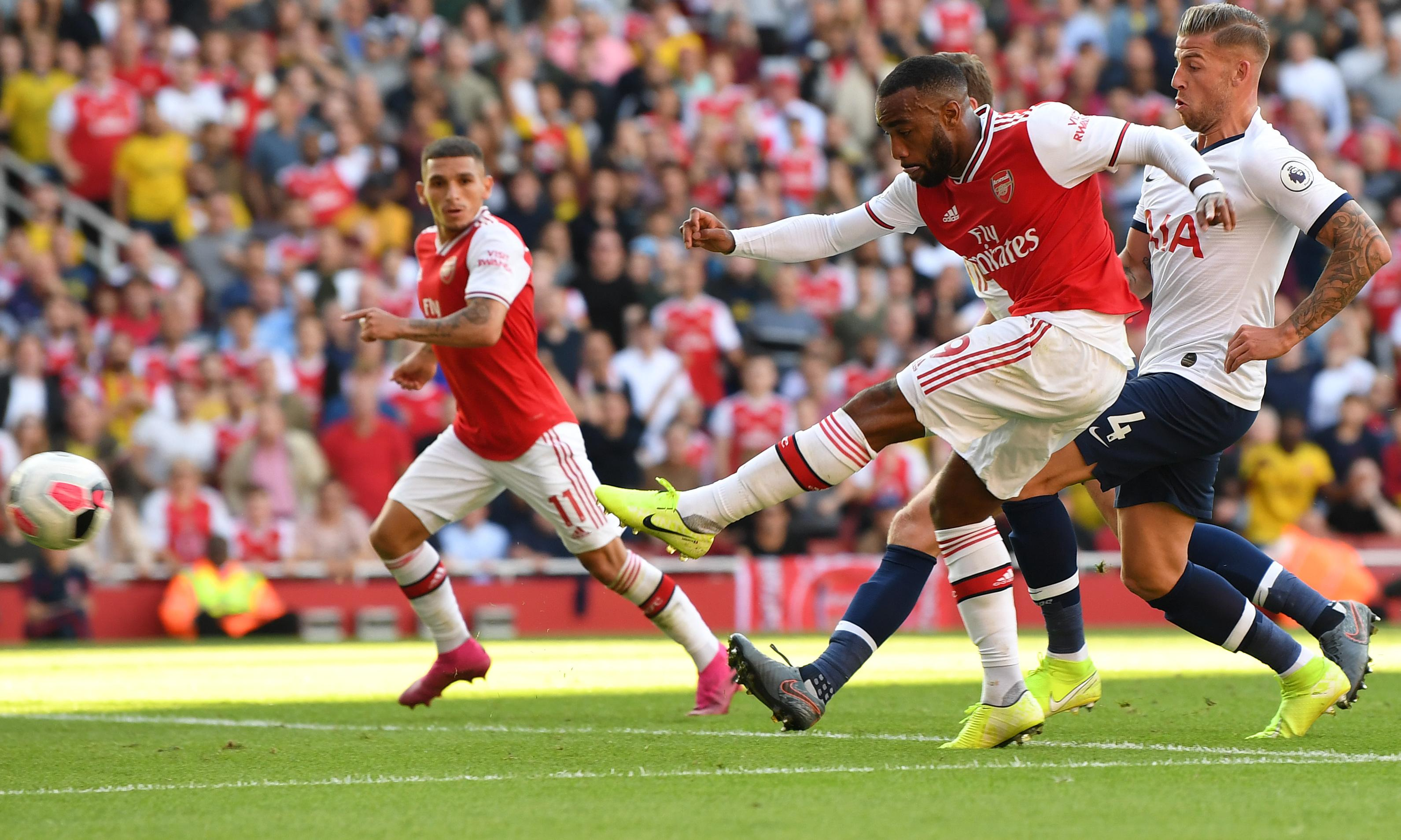 Arsenal's Alexandre Lacazette ruled out until October with ankle injury