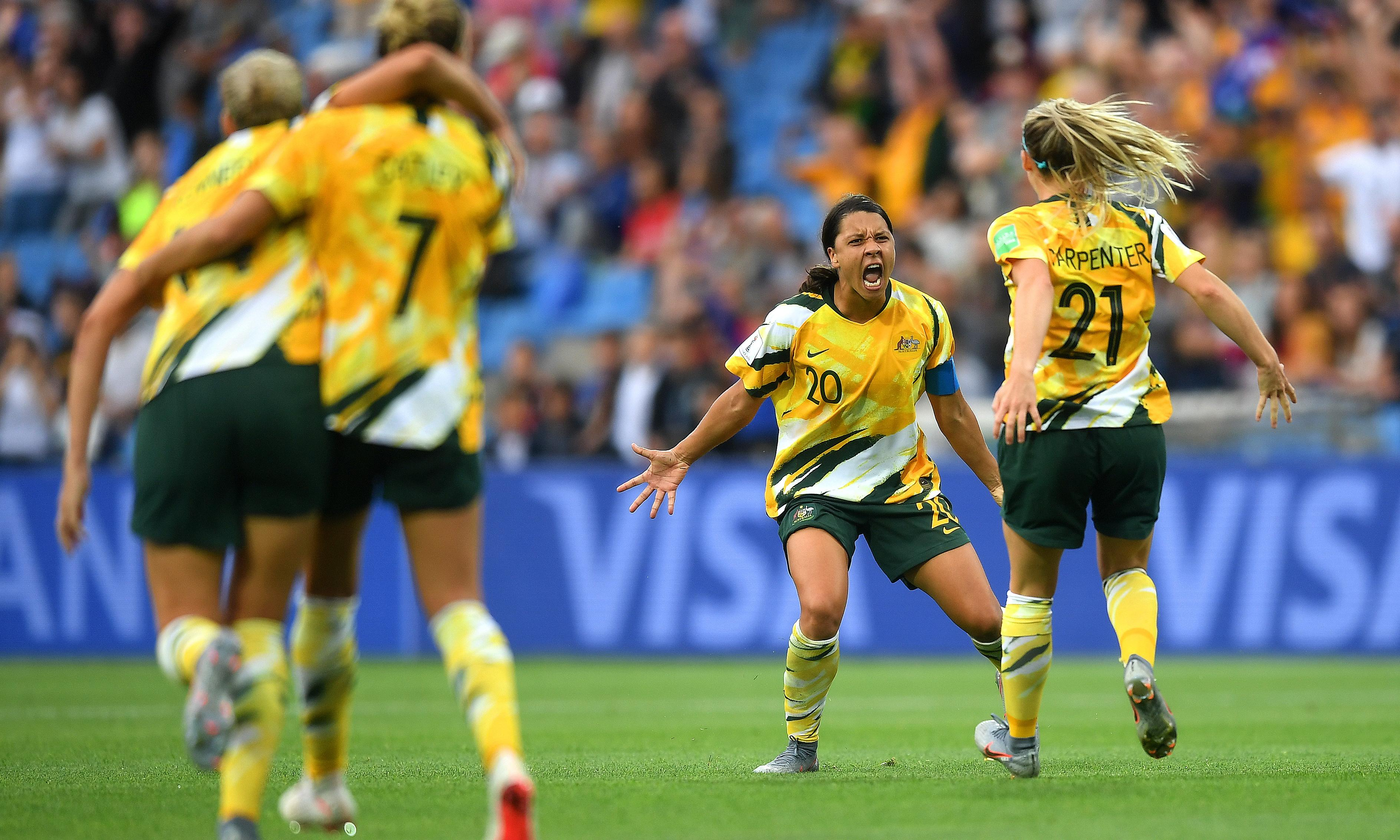 Matildas rally as thread of negativity fails to unravel Women's World Cup hopes