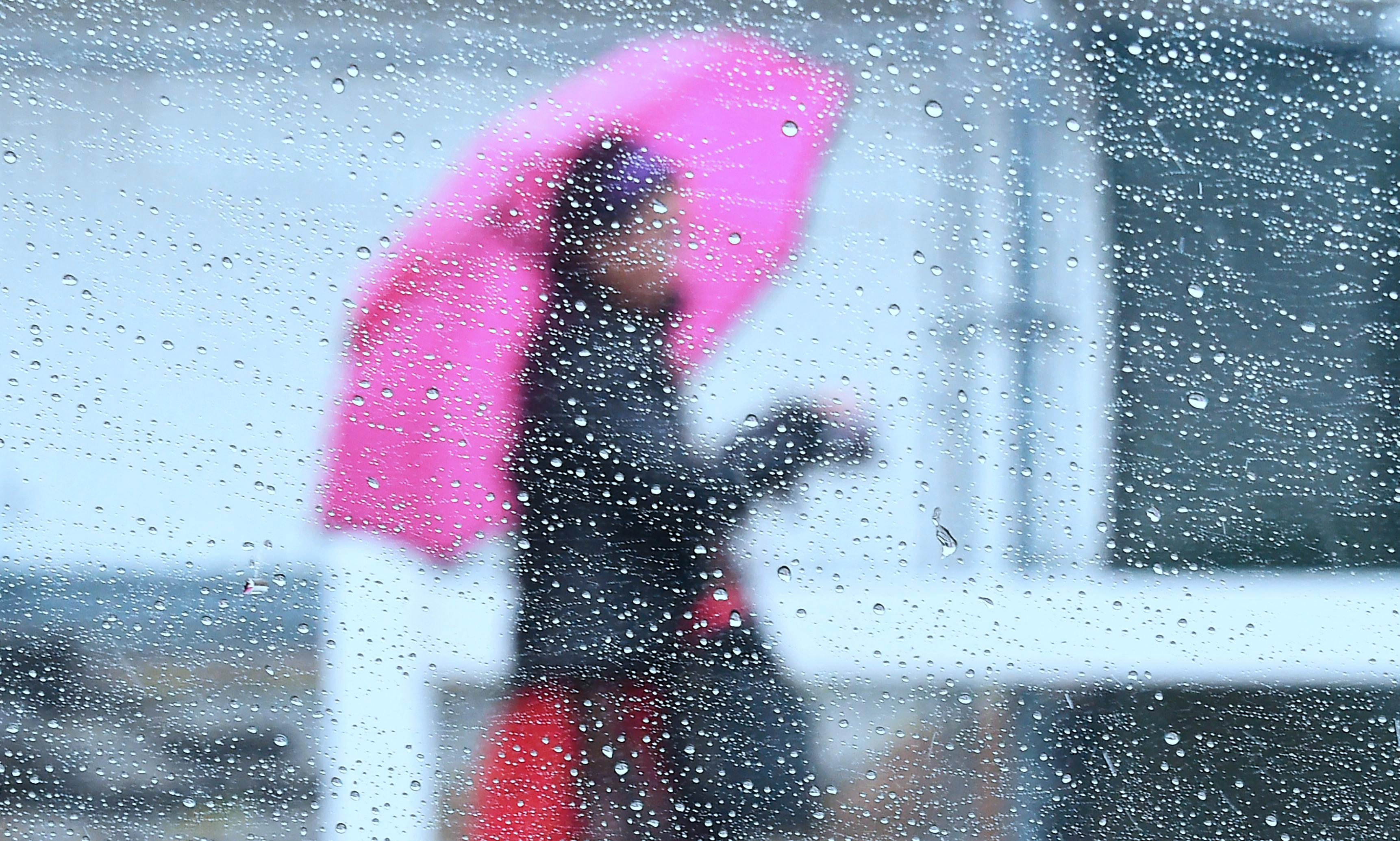 Can't stand the rain? How wet weather affects human behaviour