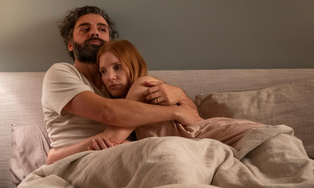 Oscar Isaac and Jessica Chastain in Scenes from a Marriage