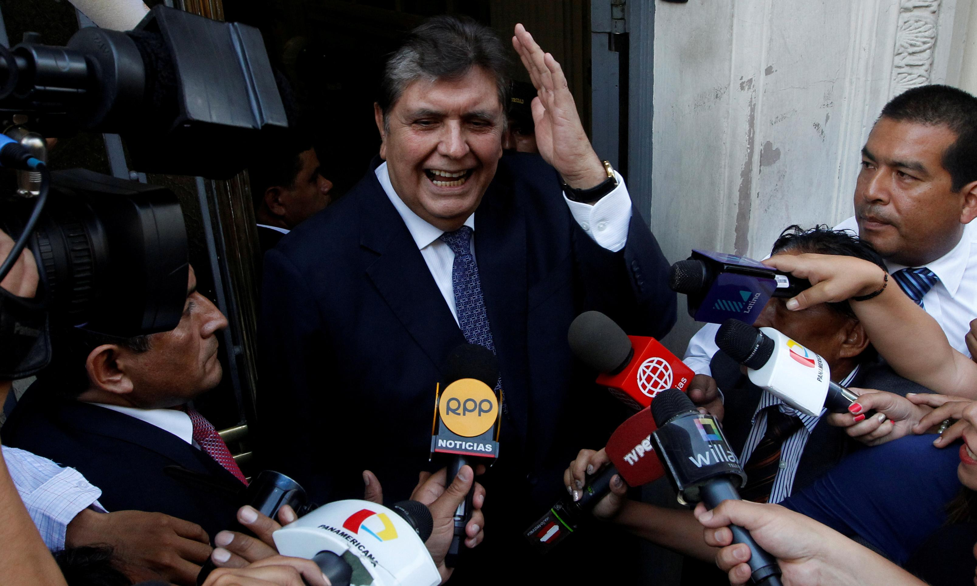 Alan García: former Peru president dies after shooting himself before arrest