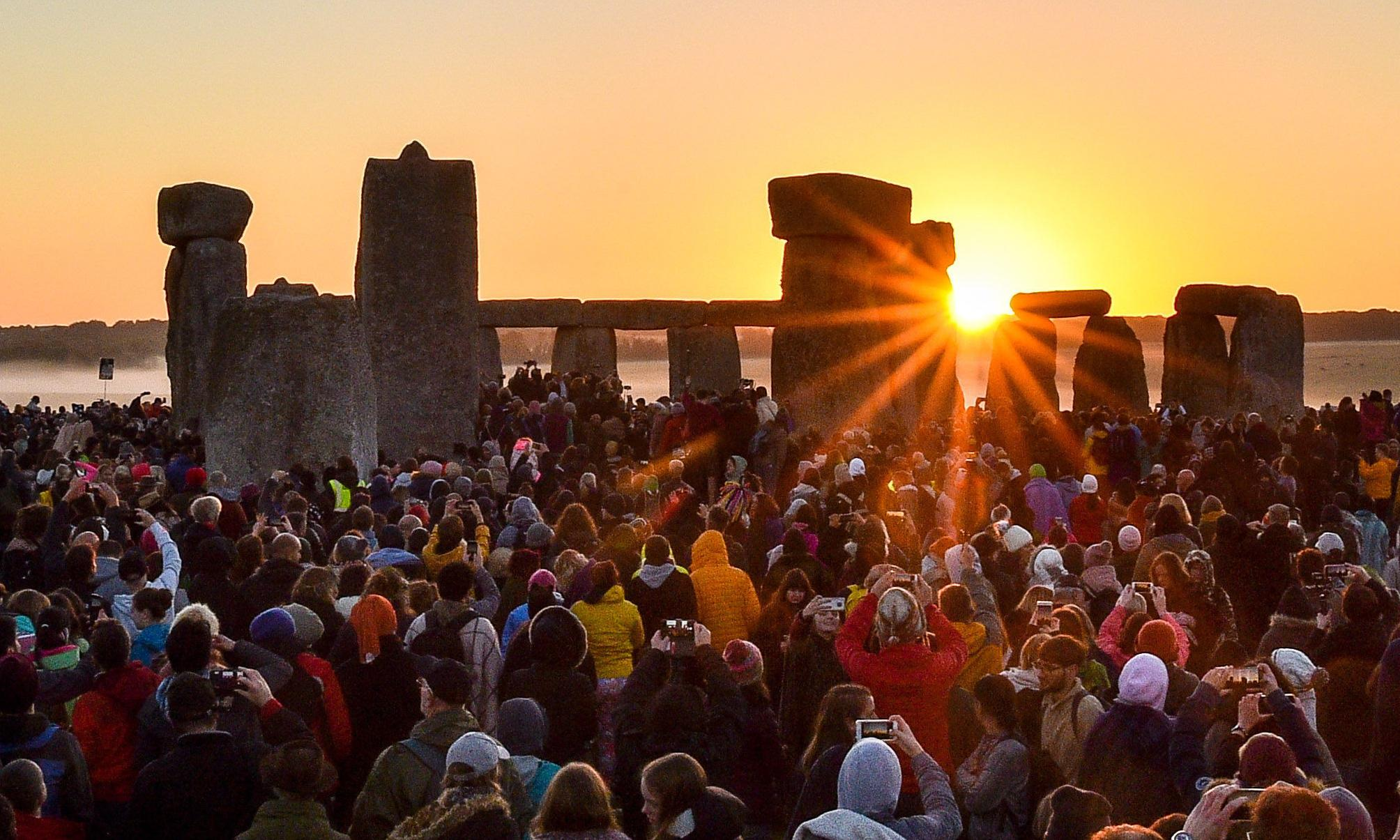 Sunrise at Stonehenge visible around the world