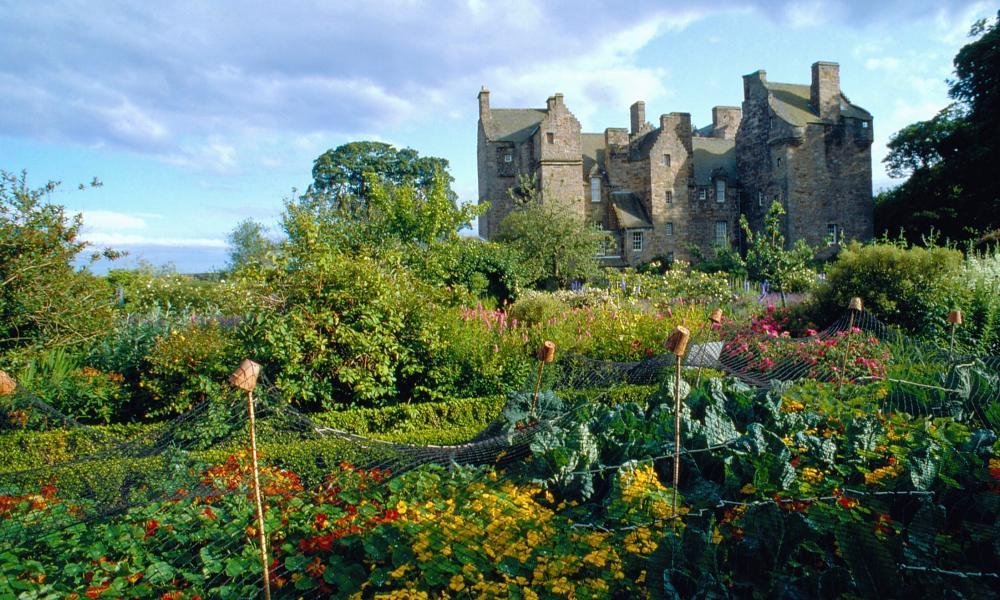 Kellie Castle gardens, Fife