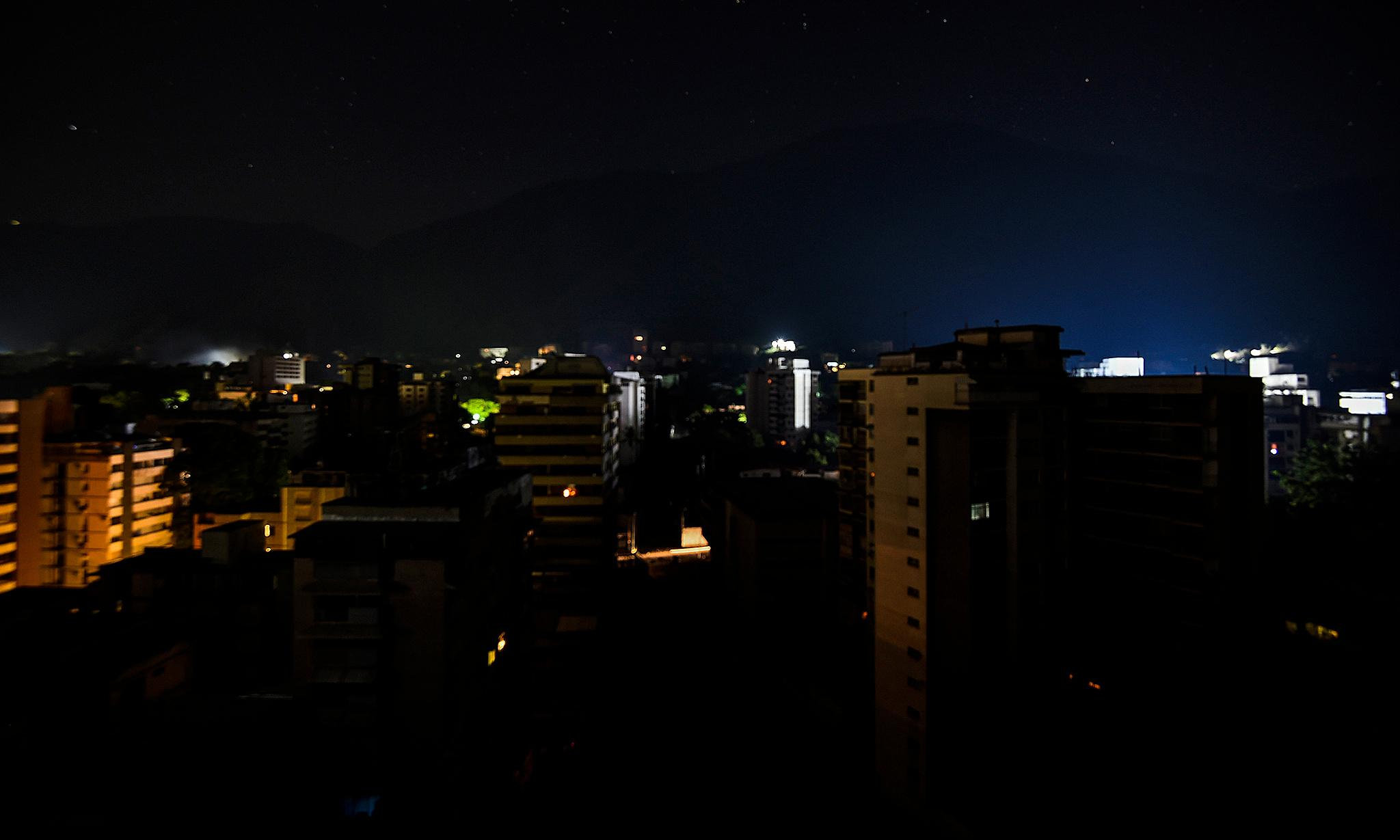 Venezuela: call for calm amid blackouts and anti-Maduro protests